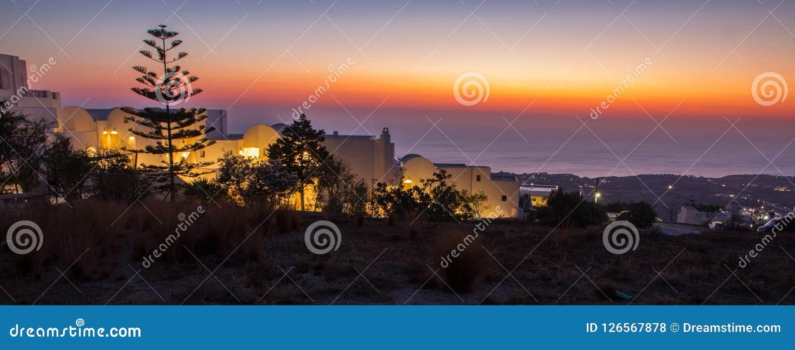 Ослеплять восход солнца на греческом острове
