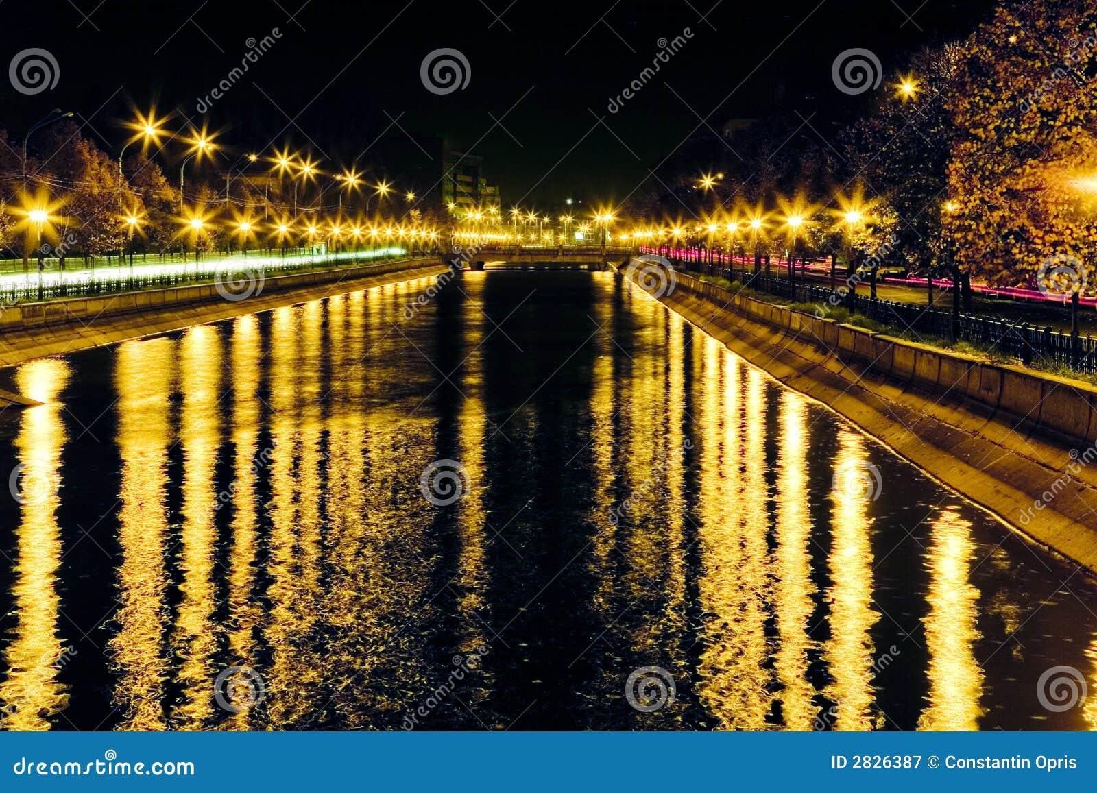 ослеплять река светов
