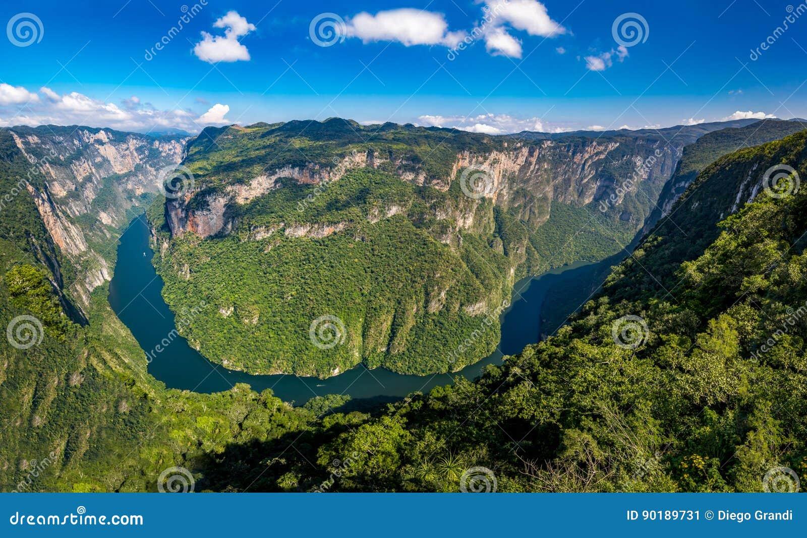 Осмотрите сверху каньон Sumidero - Чьяпас, Мексику