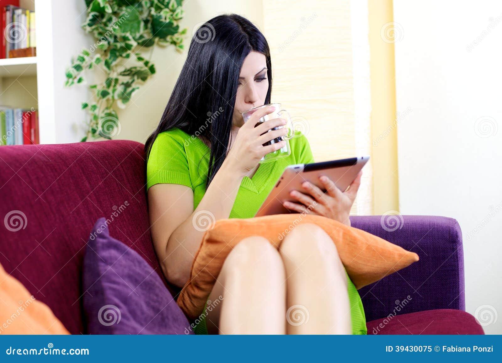 Ослаблять при таблетка и кофе дома читая новости