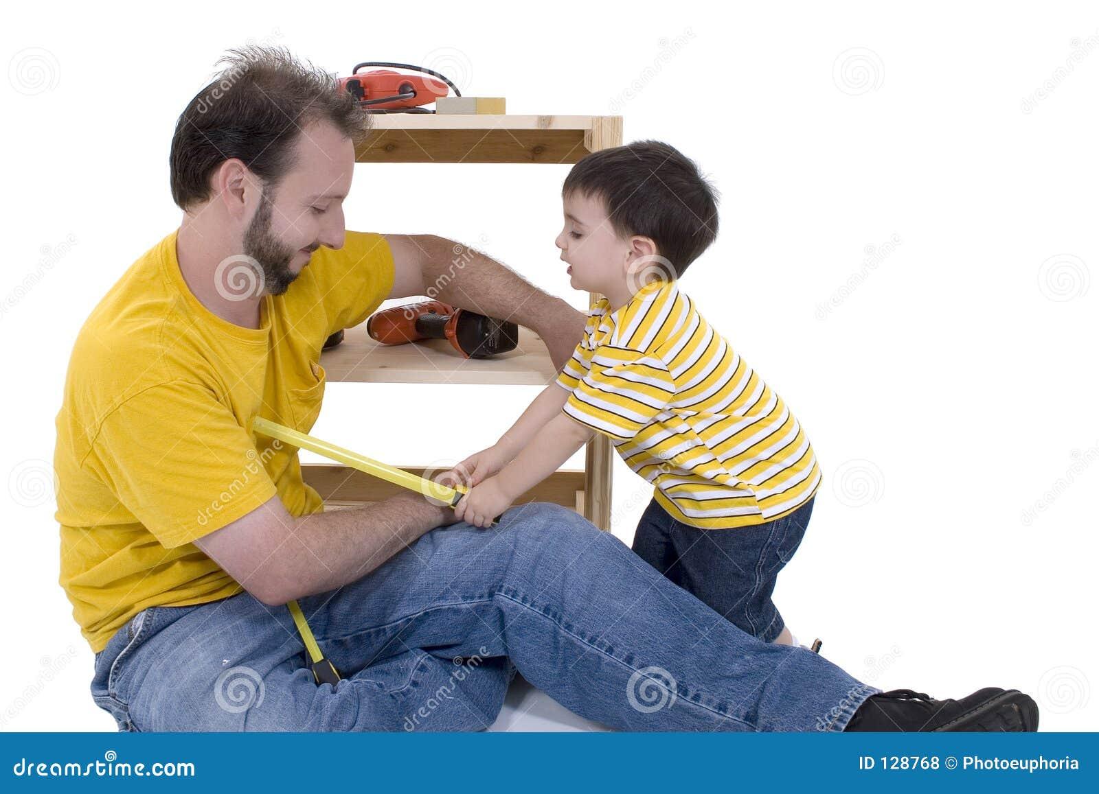 отец шкафа здания мальчика его хранение совместно