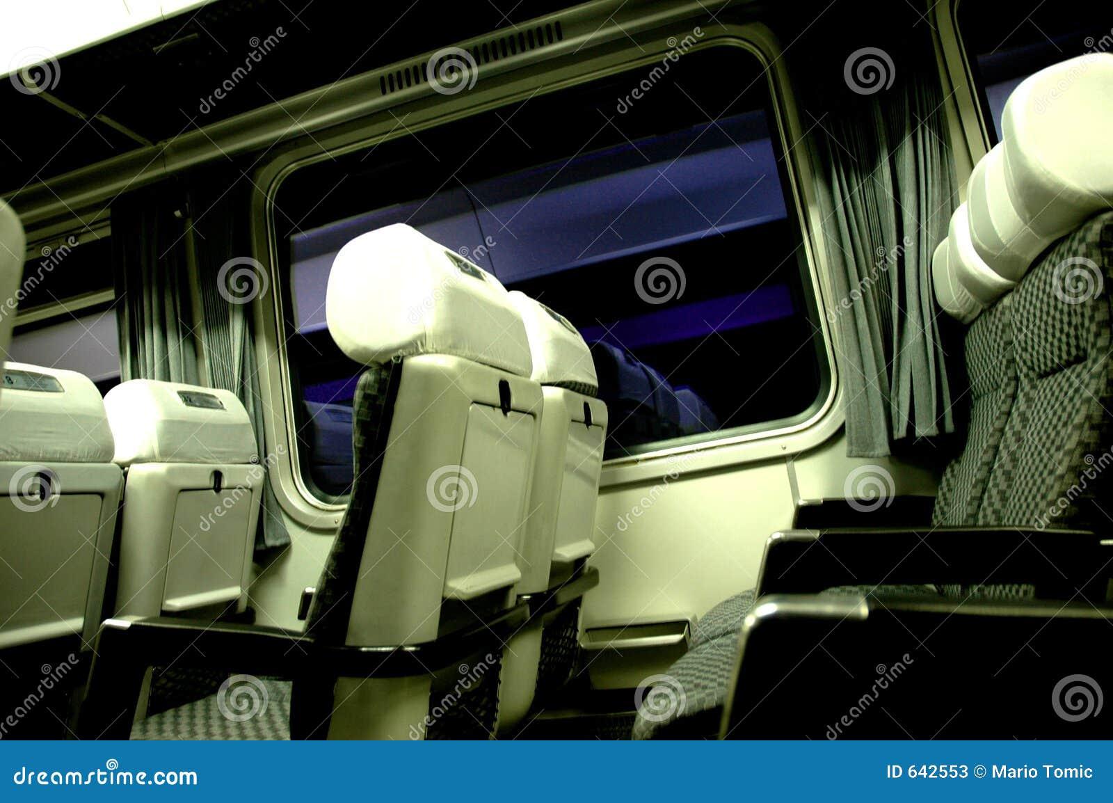Download отключение поезда стоковое изображение. изображение насчитывающей закоммутируйте - 642553
