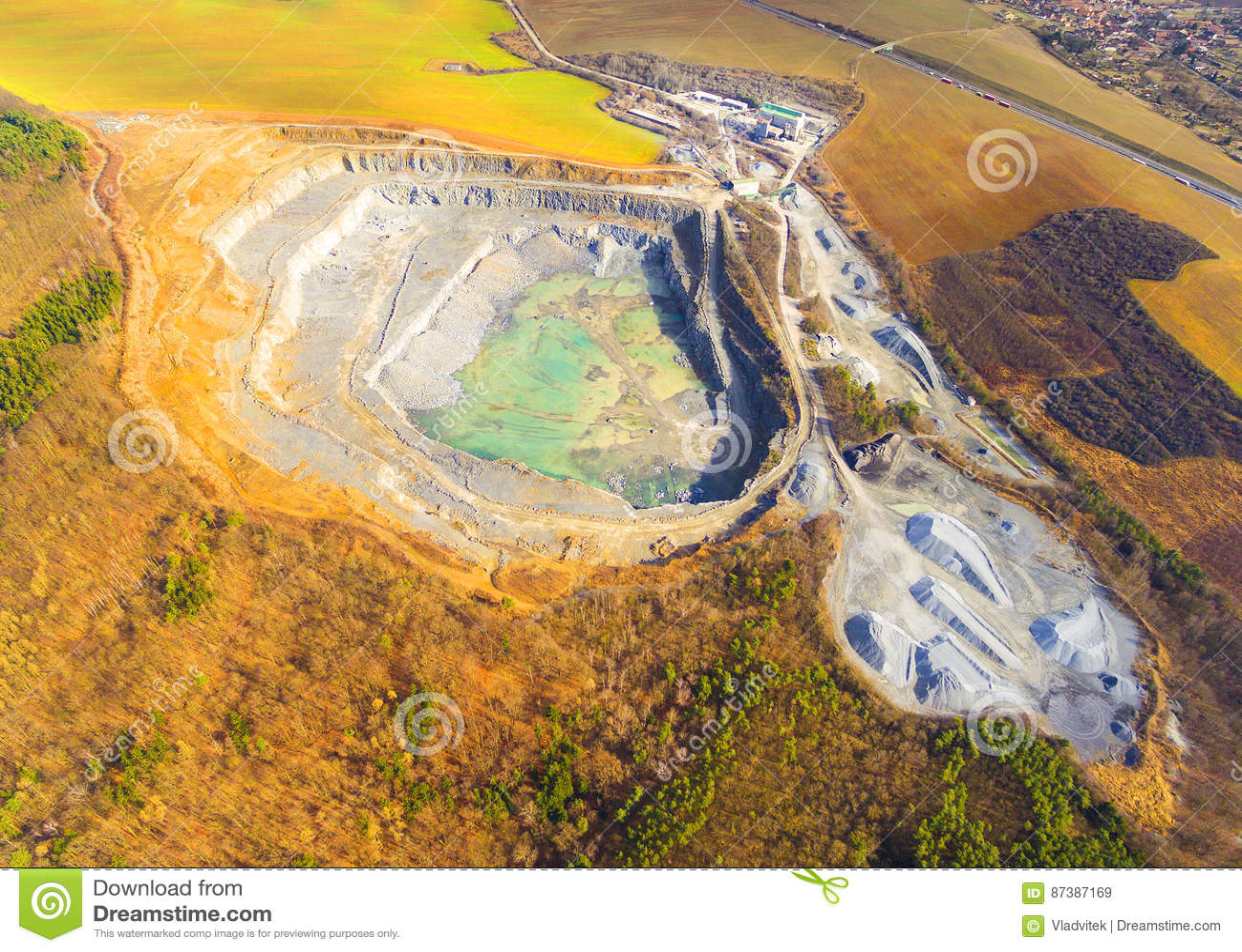 Открытый - шахта бросания