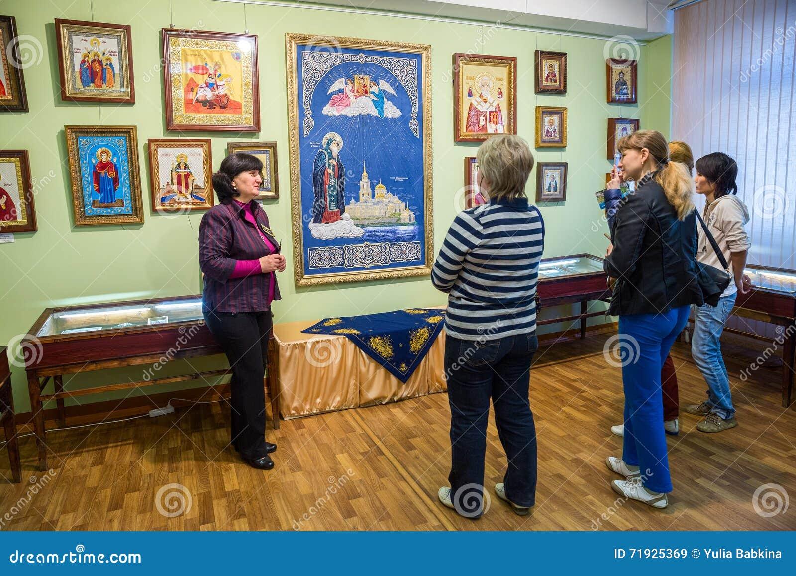 Отклонение к музею фабрики вышивки золота Torzhok
