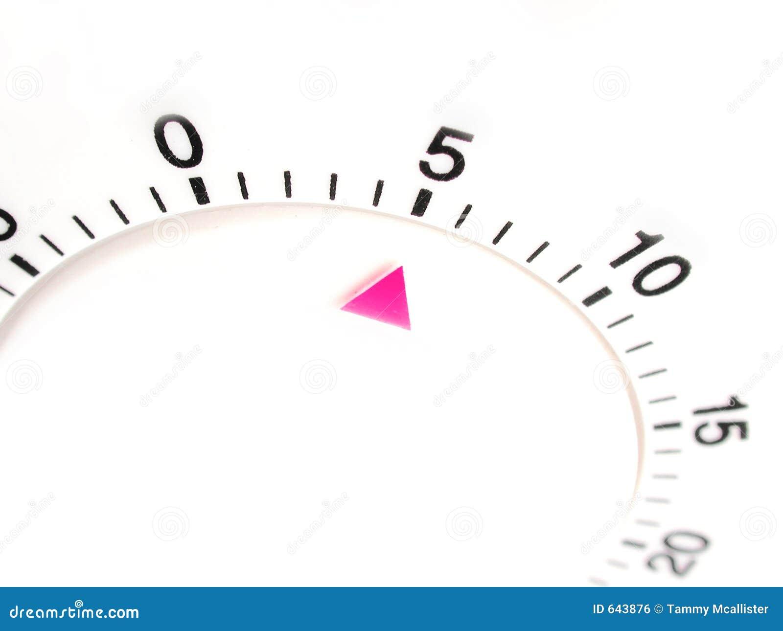 Download отметчик времени 5 минут иллюстрация штока. иллюстрации насчитывающей миндалин - 643876