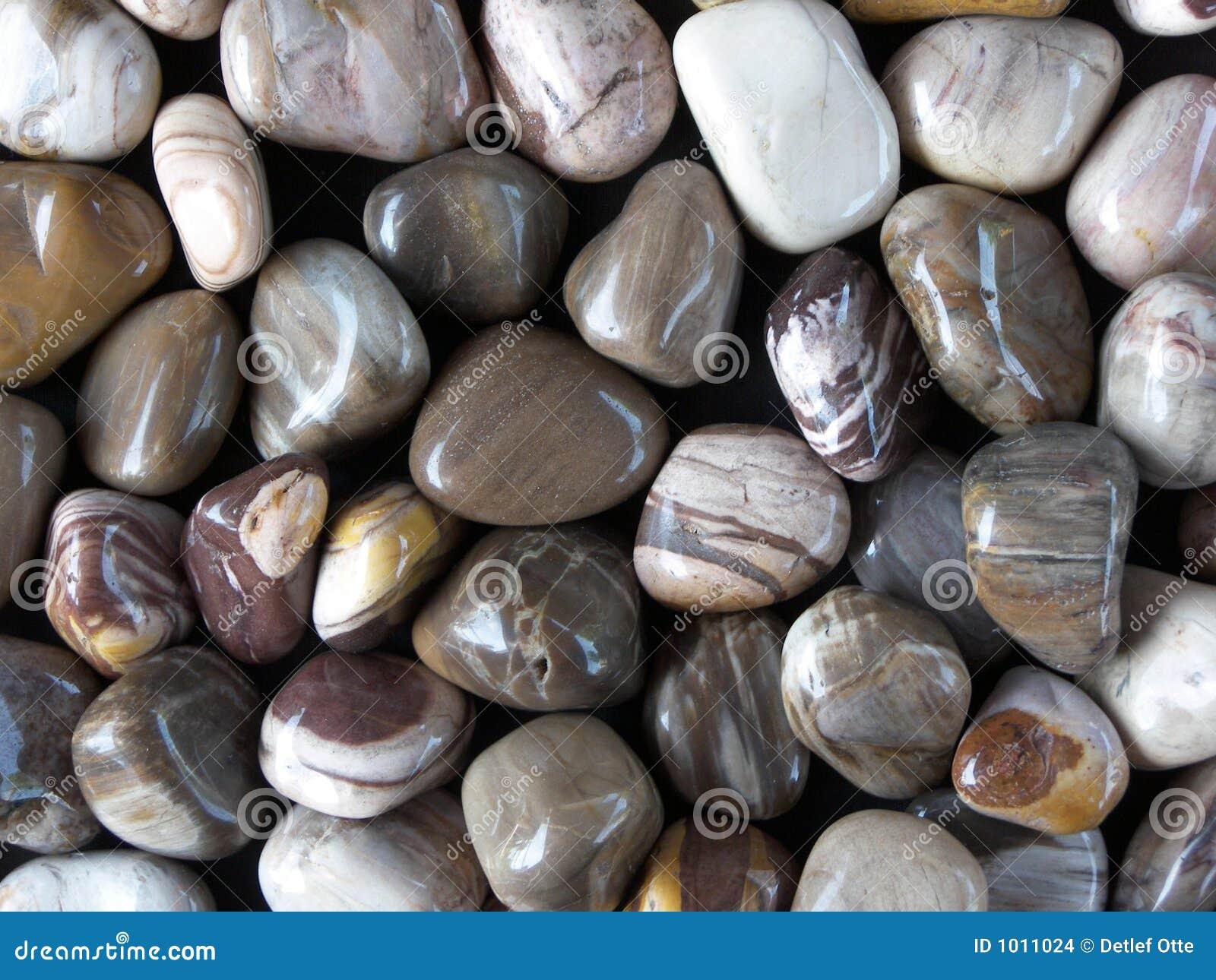 отполированные камни