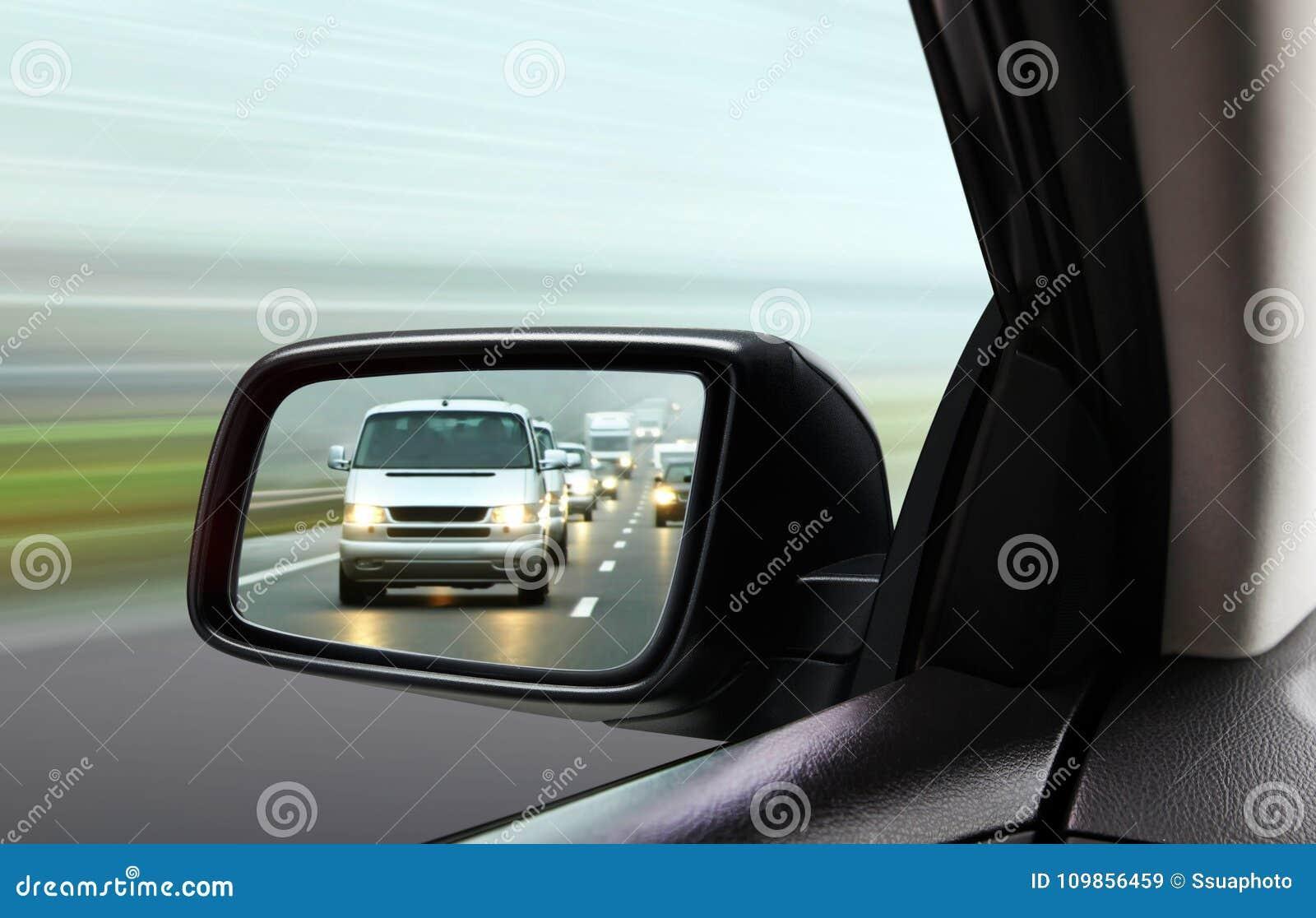 Отражение транспортного потока