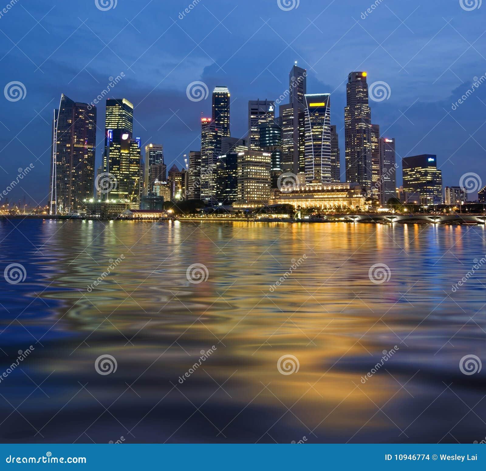 отражение singapore волнистый