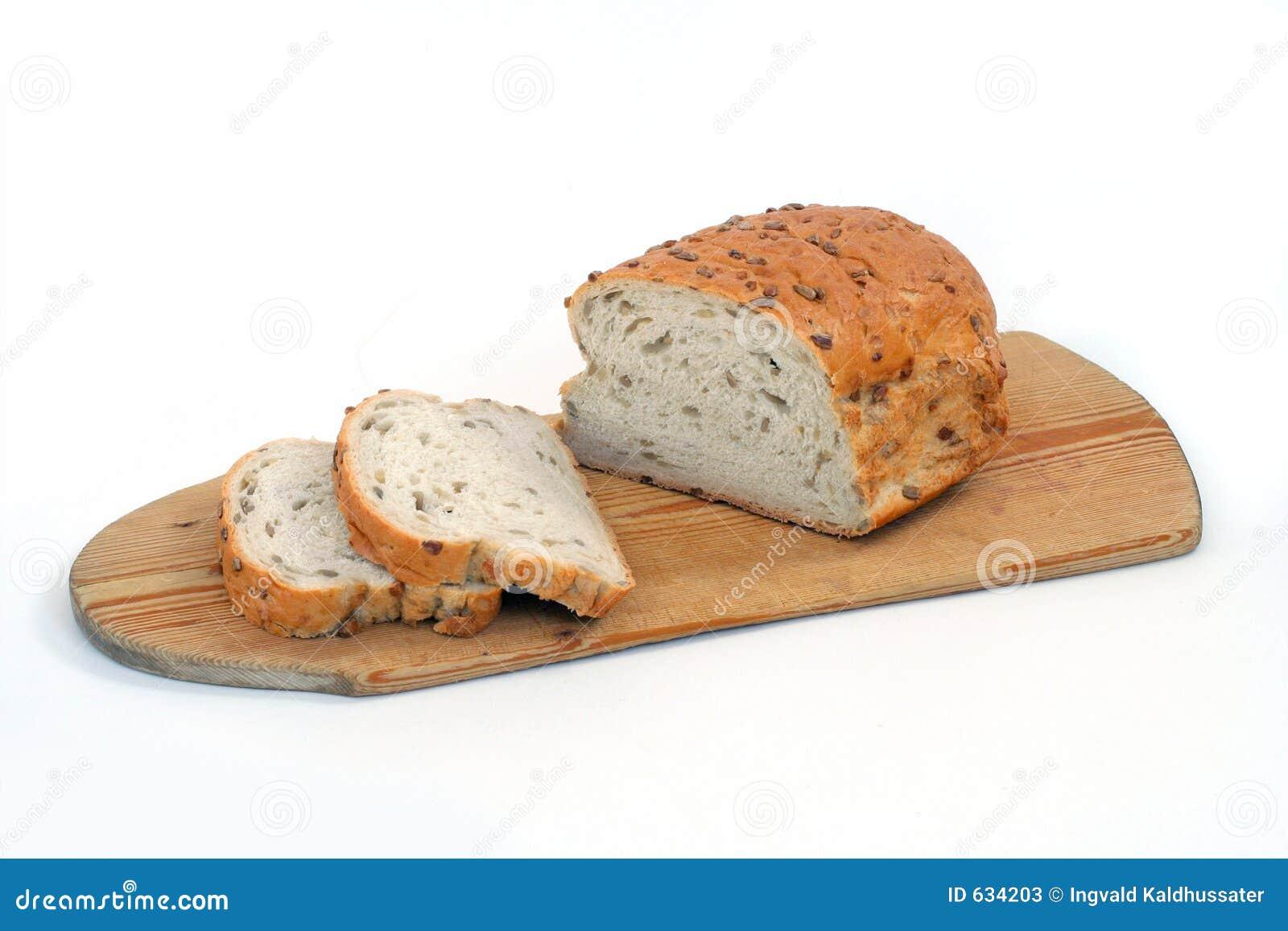 Download отрезанный хлеб стоковое изображение. изображение насчитывающей еда - 634203