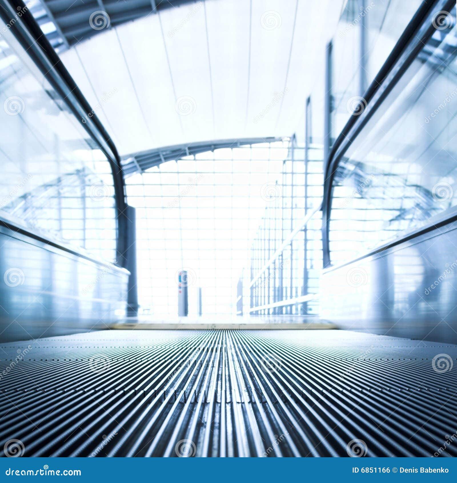офис залы эскалатора moving