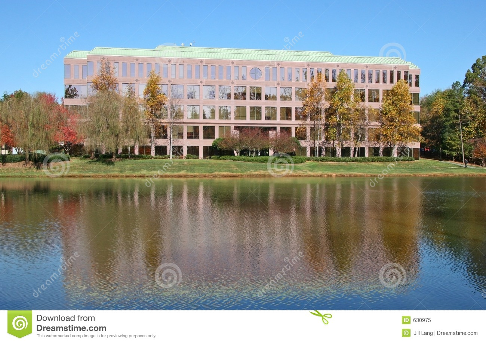 Download офис здания стоковое изображение. изображение насчитывающей деньги - 630975