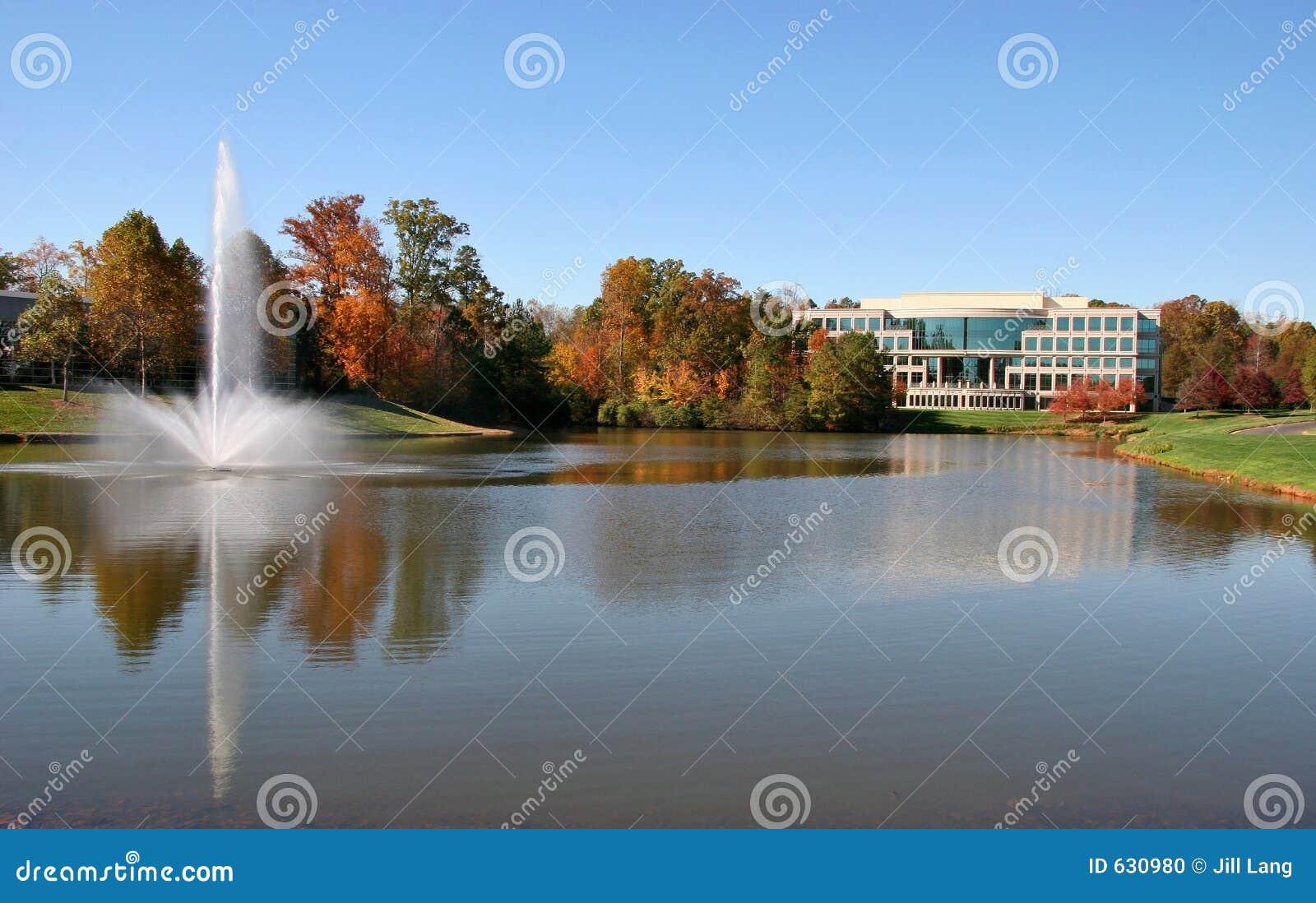 Download офис здания стоковое фото. изображение насчитывающей проектировано - 630980