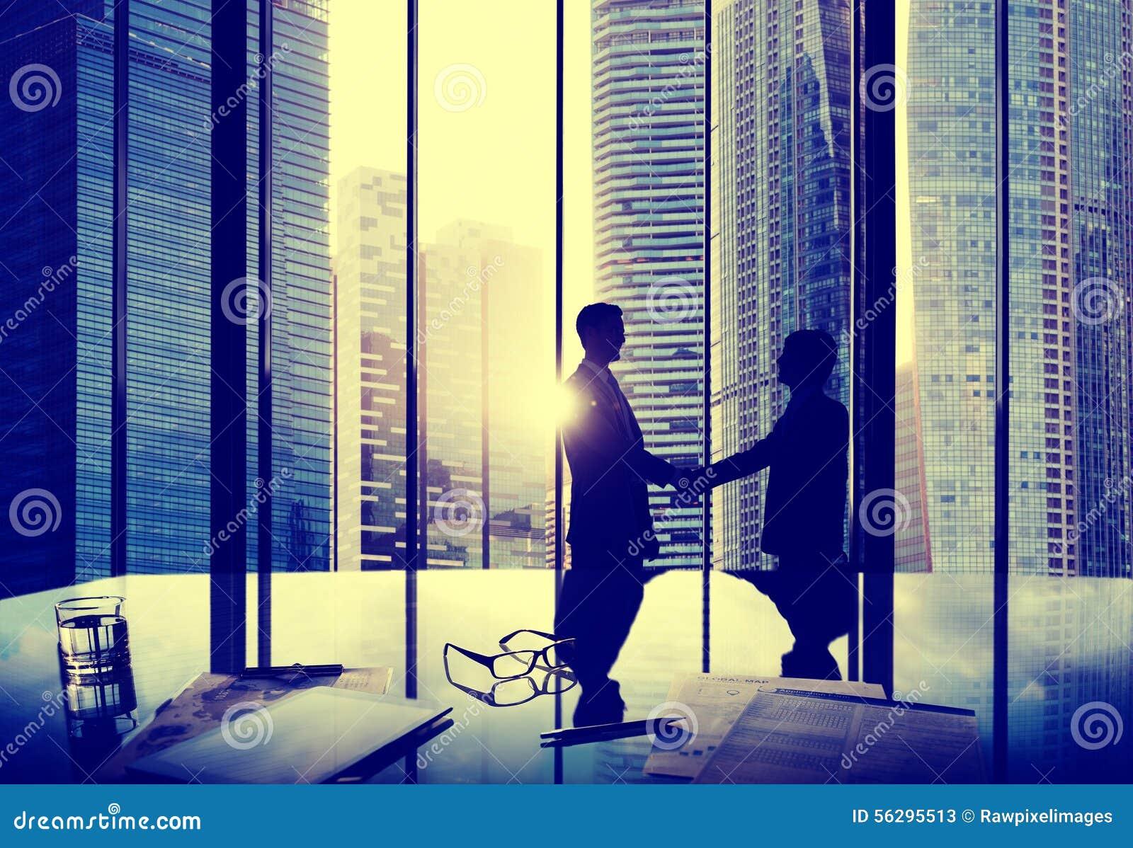 Офис Concep команды дела партнерства согласования рукопожатия дела