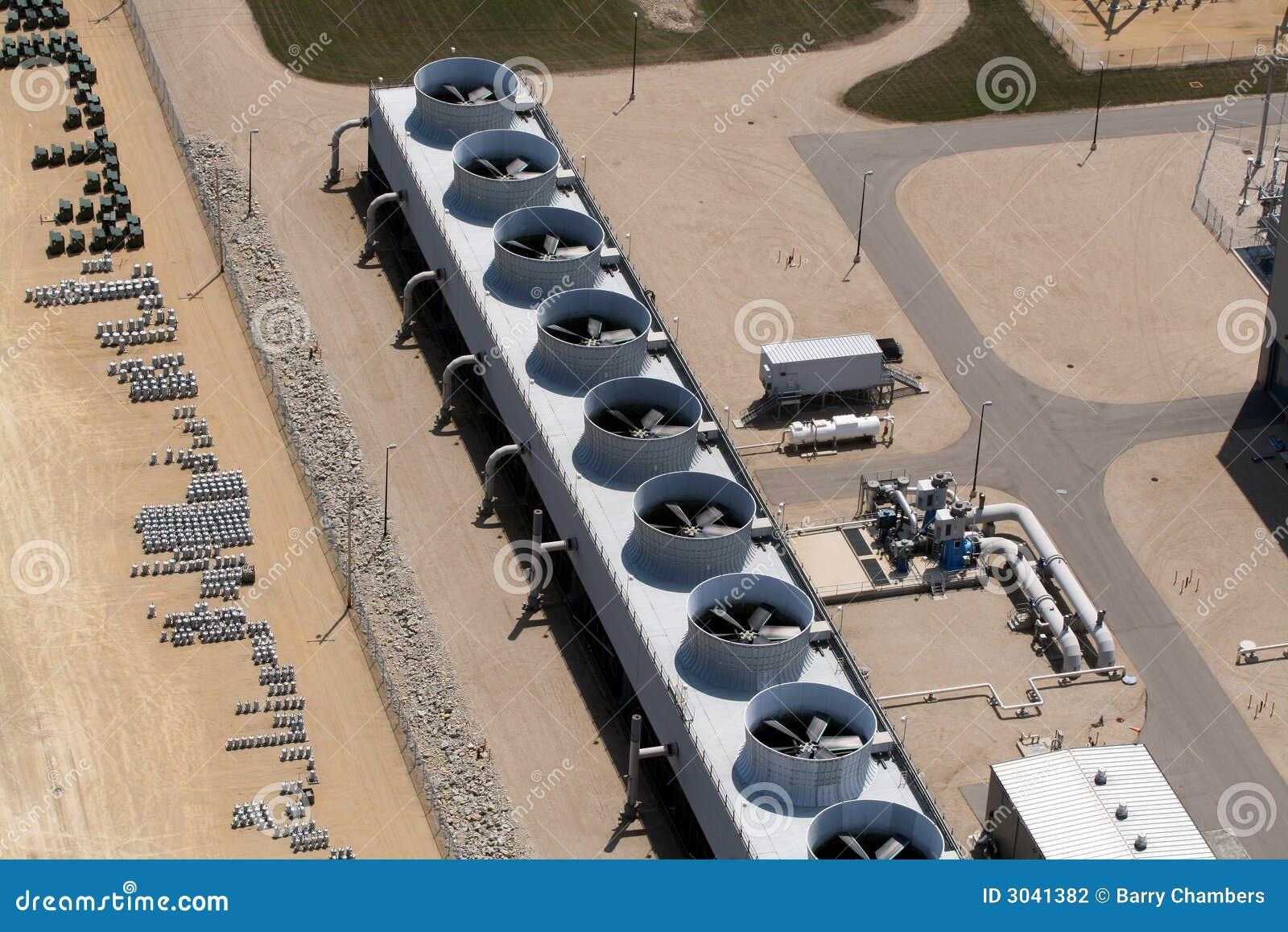 Охлаждающие вентиляторы на электростанции