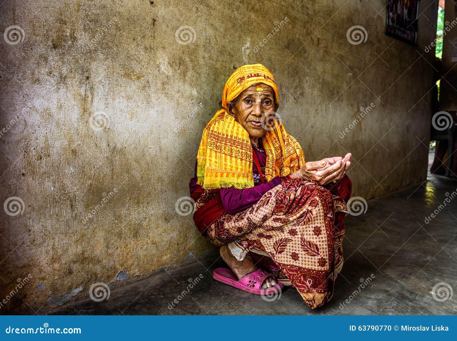 Старуху в дом престарелых звенигородский дом-интернат для престарелых и инвалидов инн