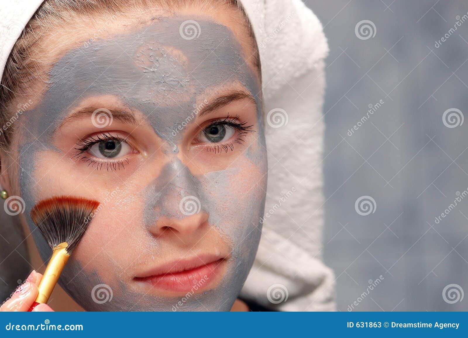 Download очищая лицевая маска стоковое изображение. изображение насчитывающей очищать - 631863
