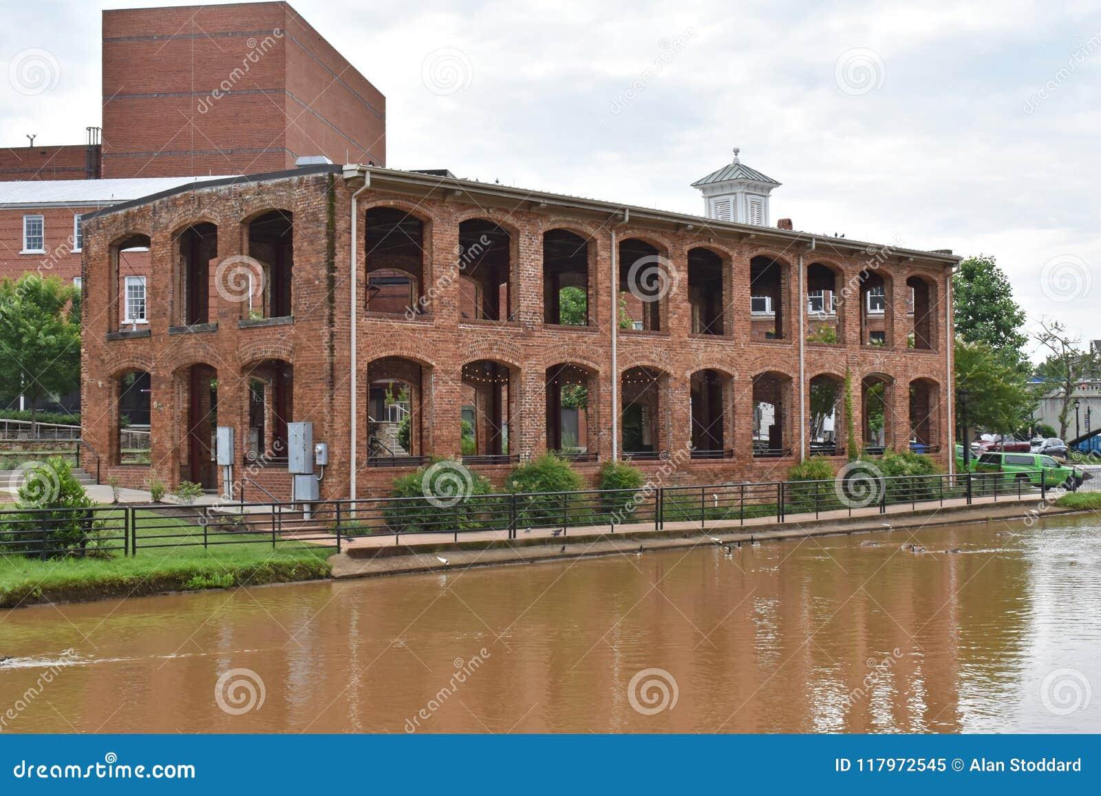 Павильон Wyche на reedy реке