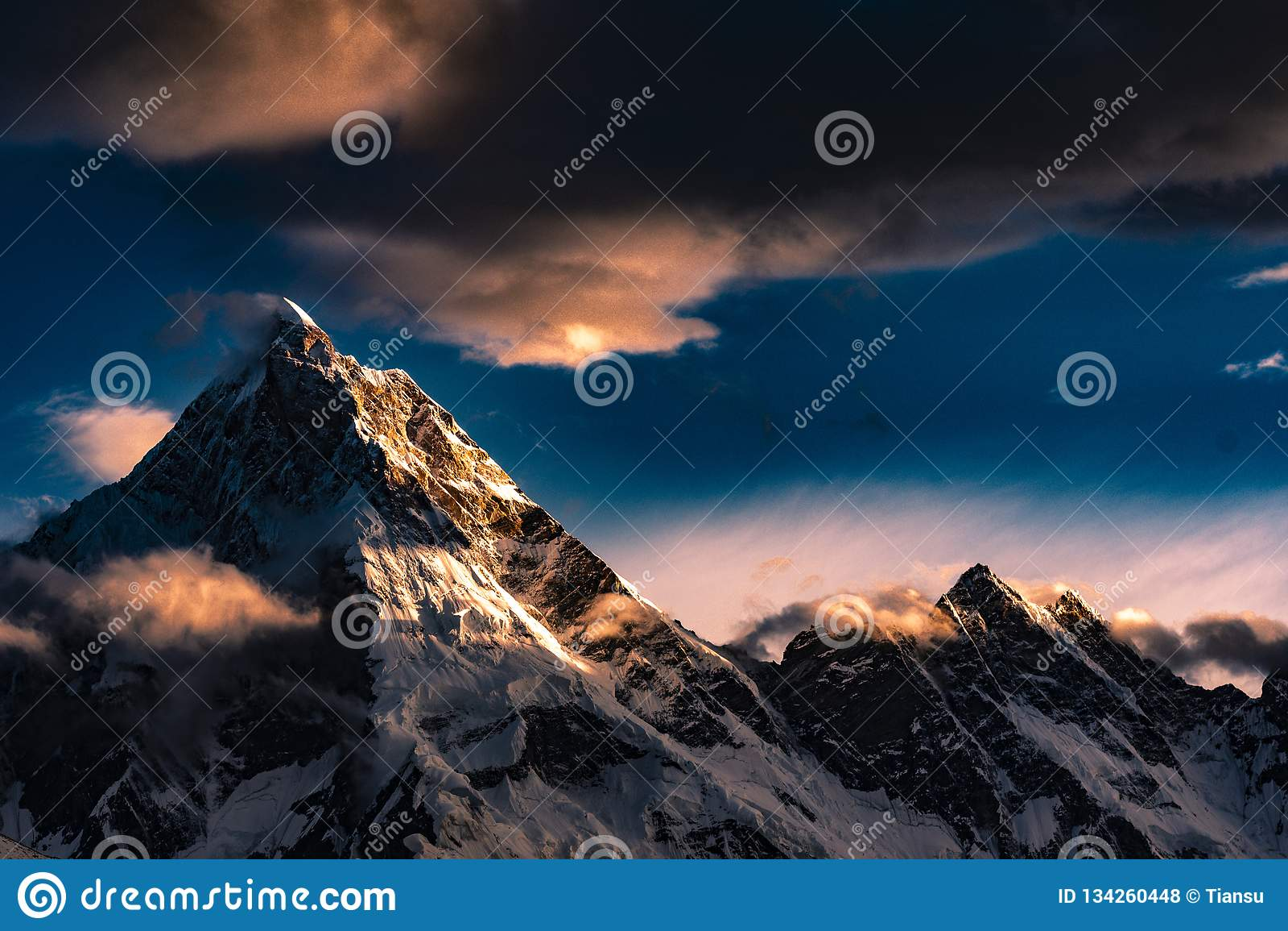 Пакистан Karakoram K2 trekking заход солнца Mt Masherbrum