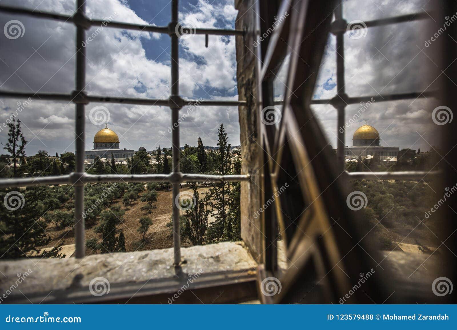 Палестинские христиане на церков St Porphyrius в Газа