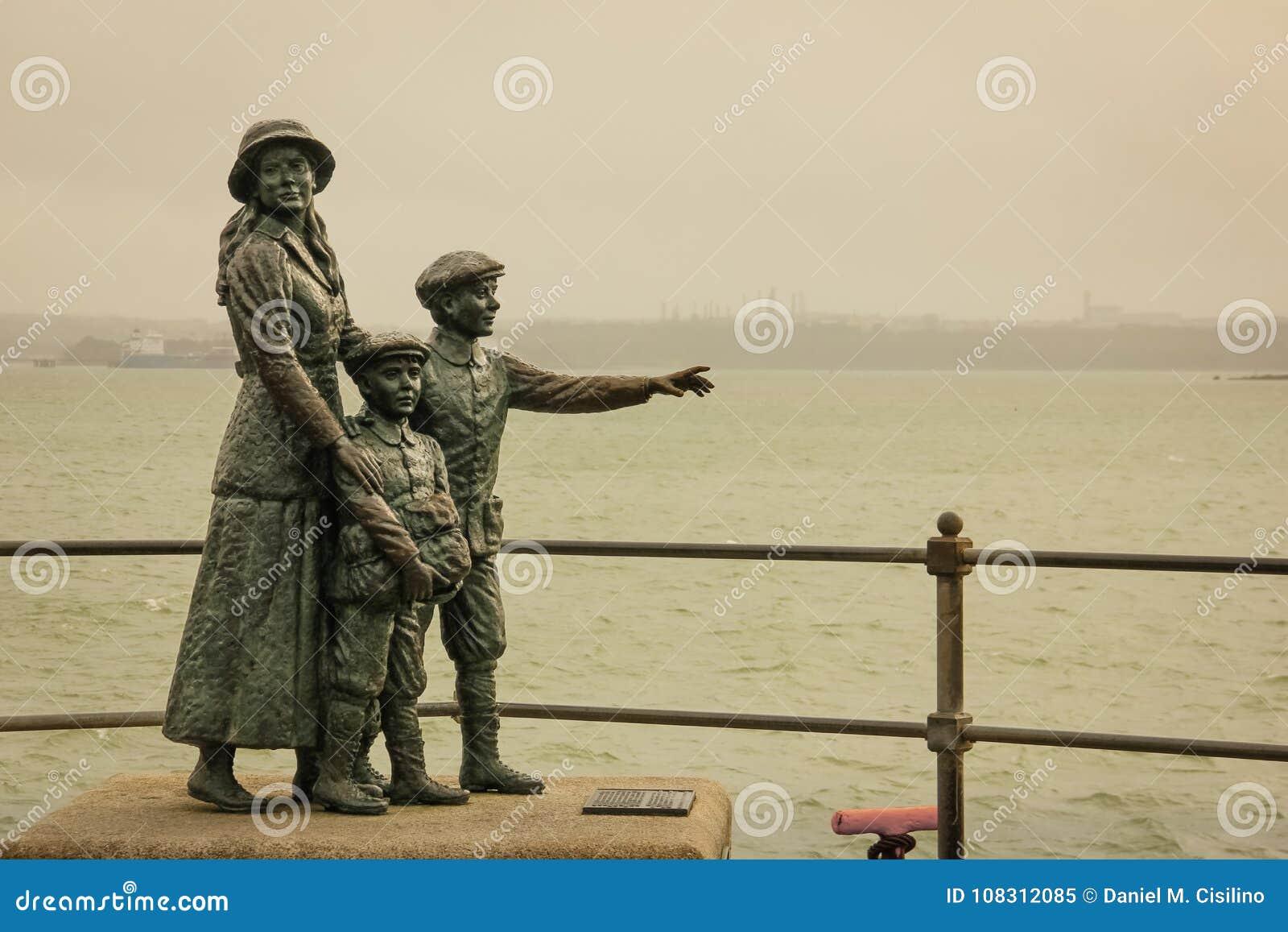 Памятник Анни Moore Cobh Ирландия