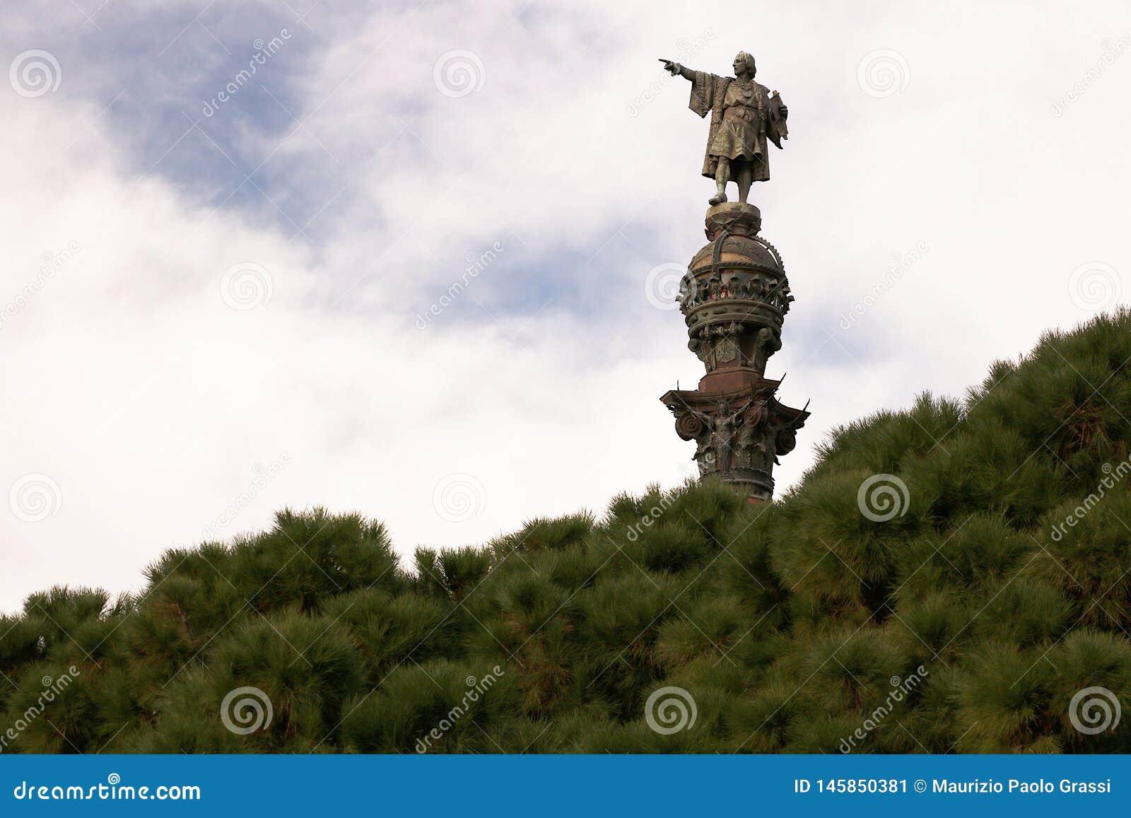Памятник Christopher Columbus на порте Барселоны