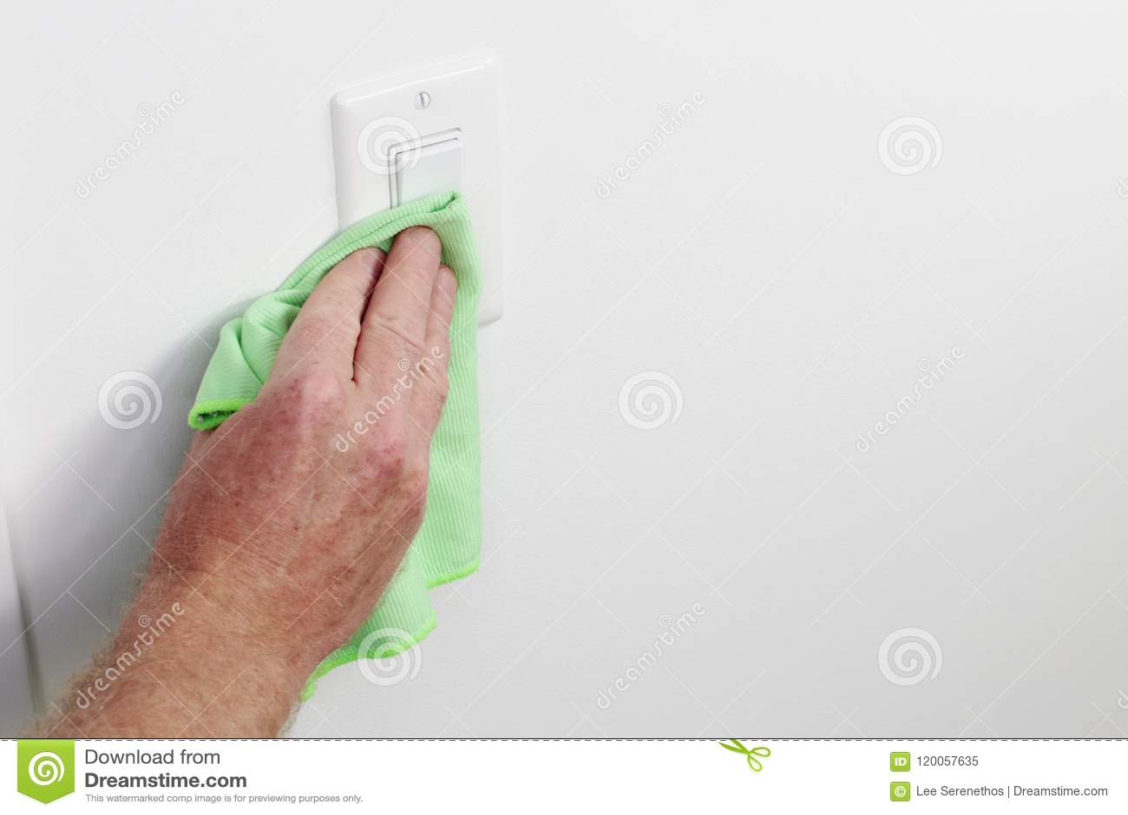Панель выключателя чистки руки с зеленой тканью