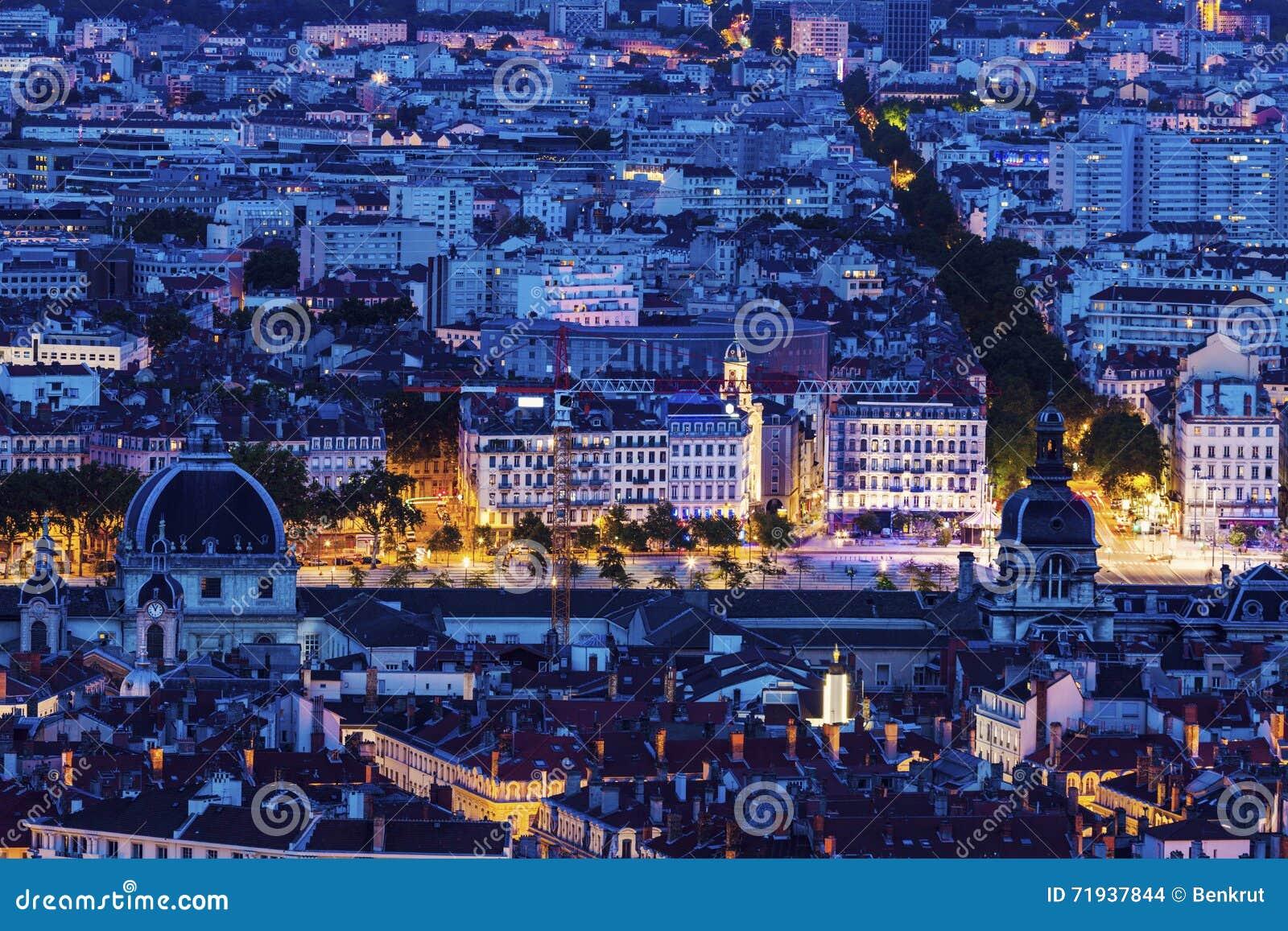 Панорама ночи Лиона