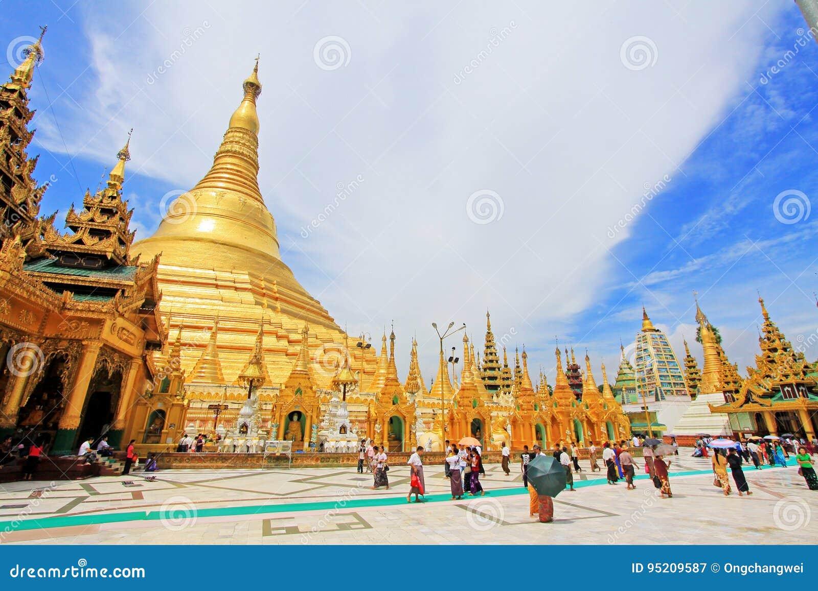 Панорама пагоды Shwedagon, Янгон, Мьянма