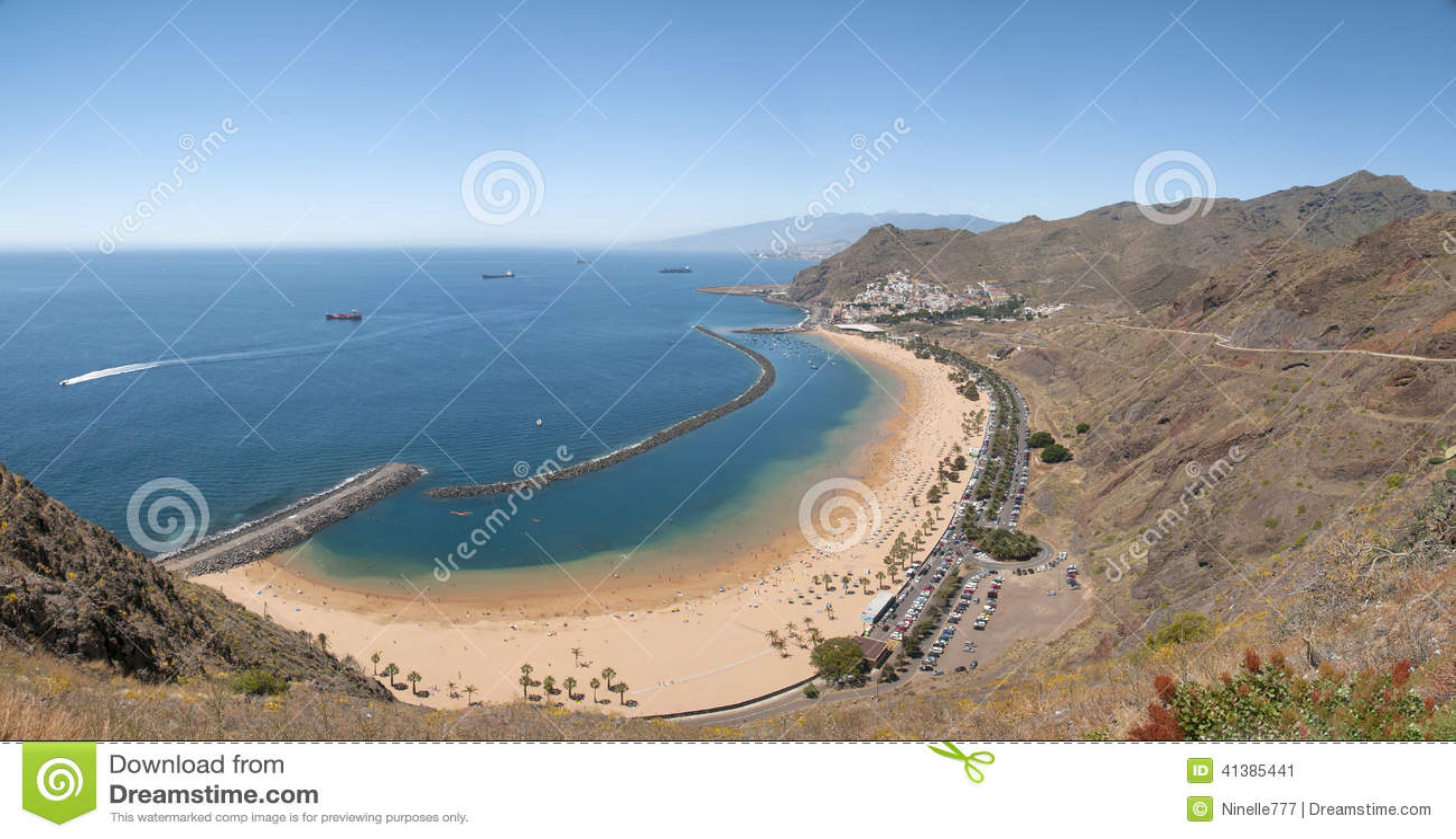 Панорама пляжа Las Teresitas, Тенерифе, Канарских островов, Испании