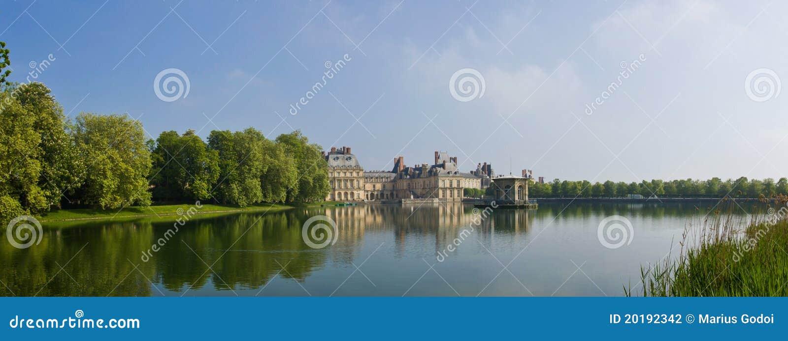 панорама fontainebleau замока