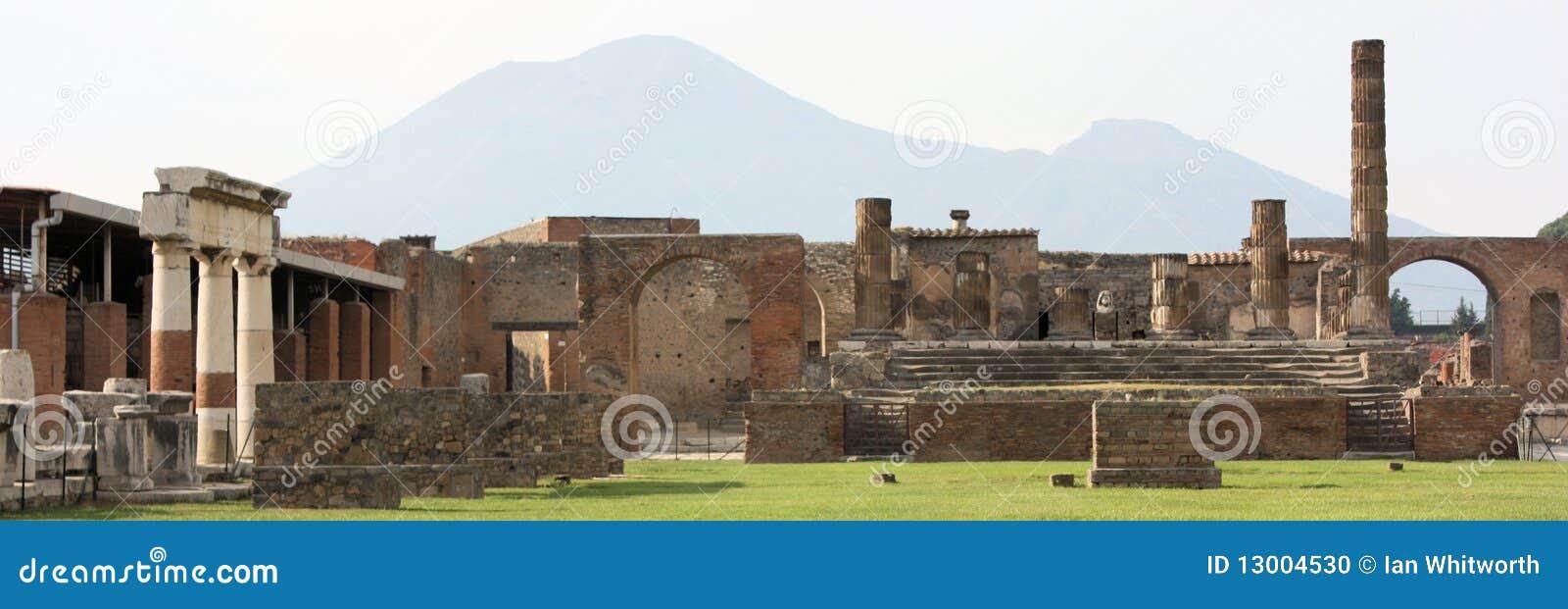 панорамные руины pompeii