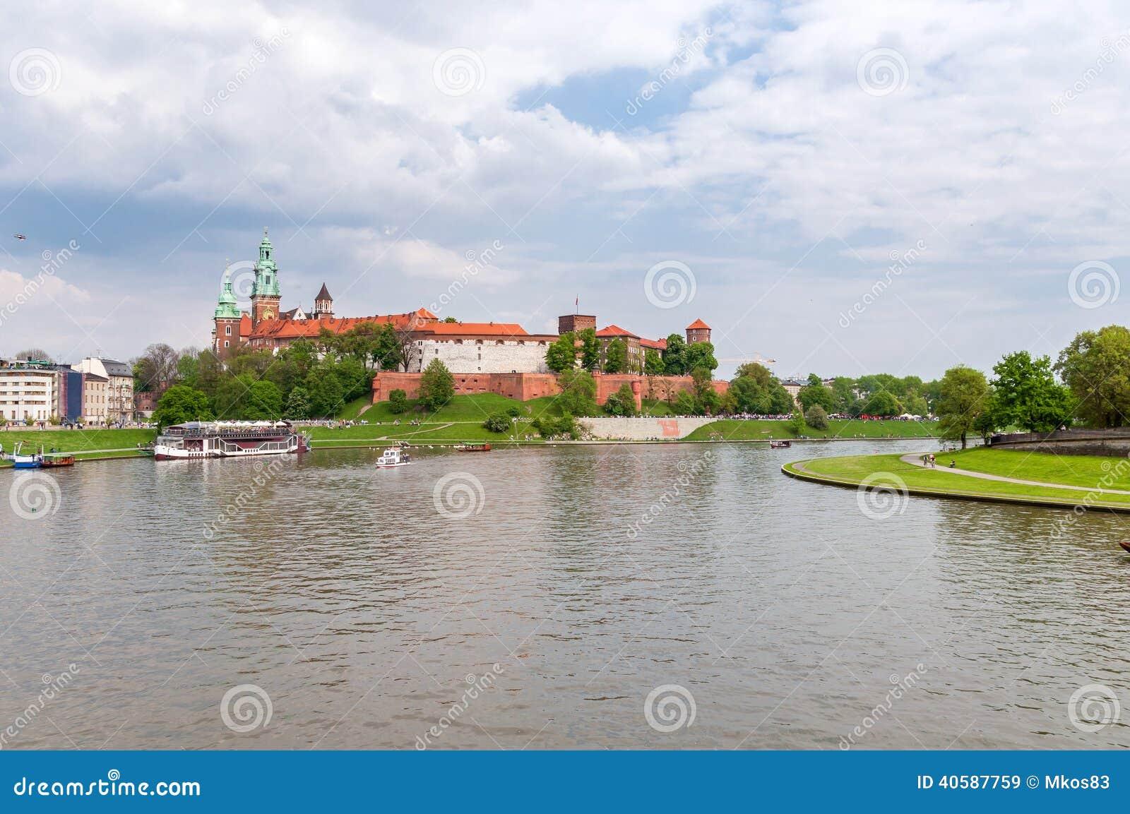 Панорамный взгляд замка Wawel
