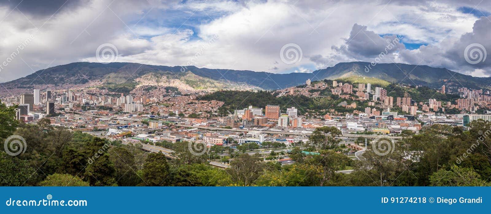 Панорамный взгляд Medellin, Колумбии