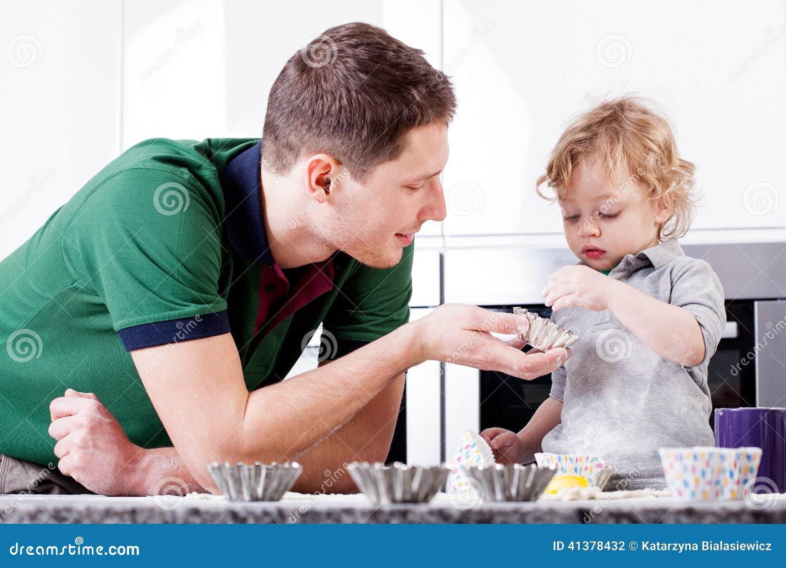 Смотреть мама обучает сына любви