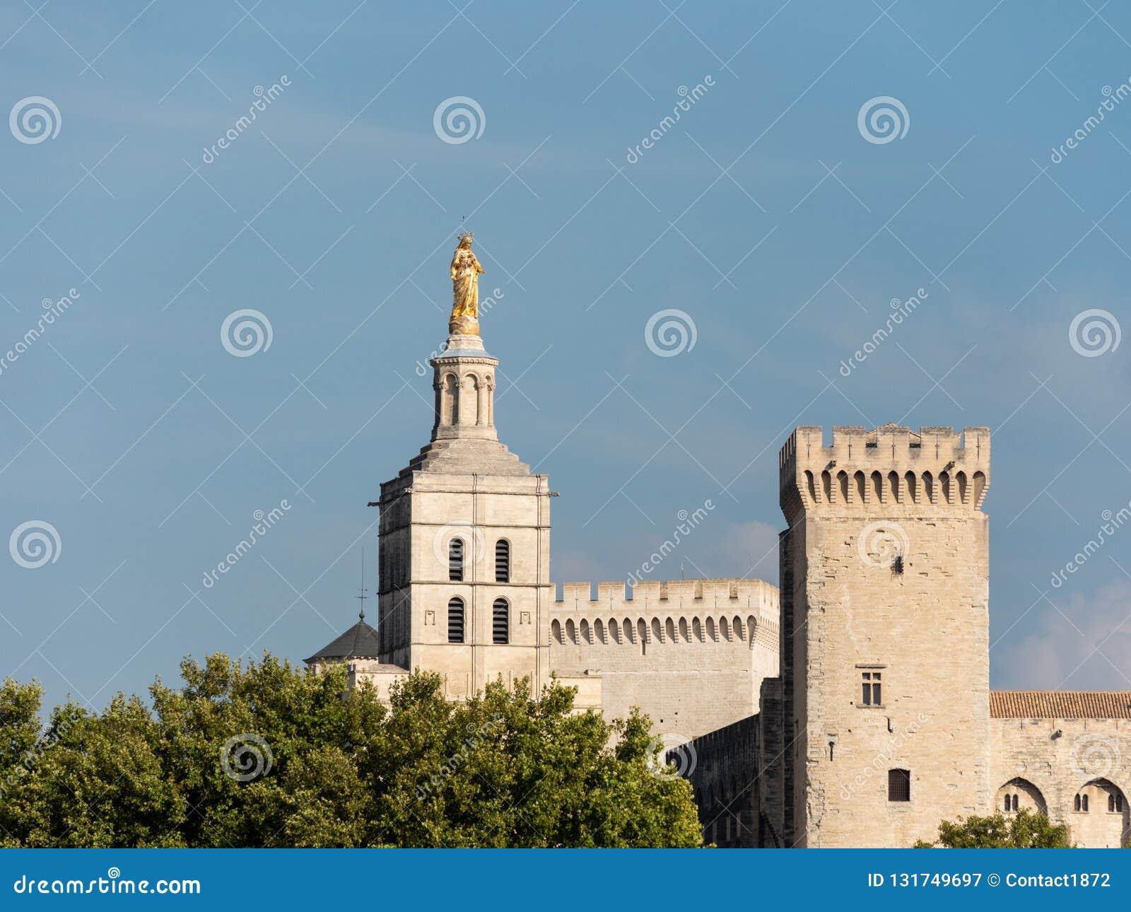 Папский дворец, исторический дворец расположенный в Авиньоне, южной Франции Оно одно из самое большое и самое важное средневеково