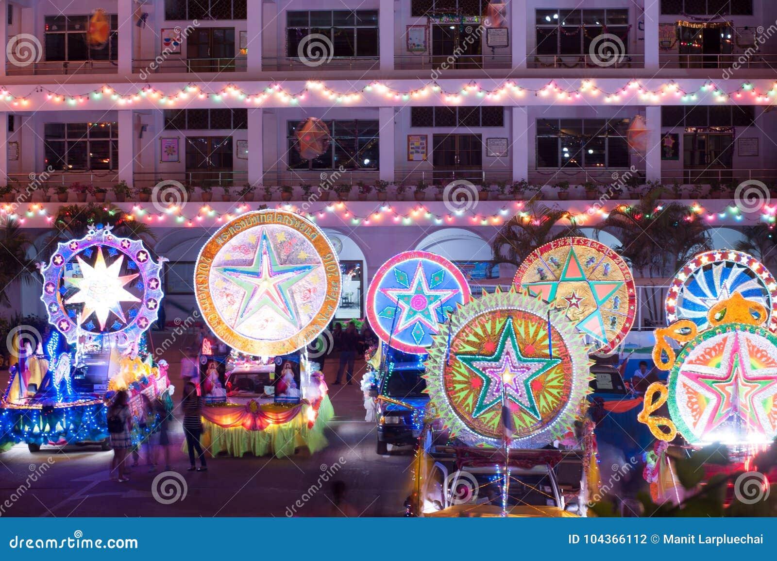 Парад фестиваля звезды рождества в Sakon Nakhon, Таиланде