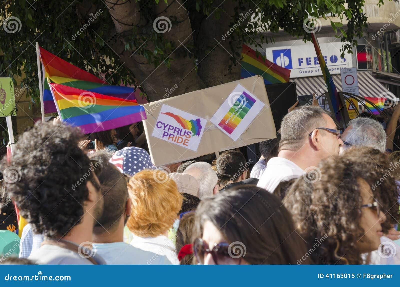 lesbiyanki-na-kipre-britanskie-devushki