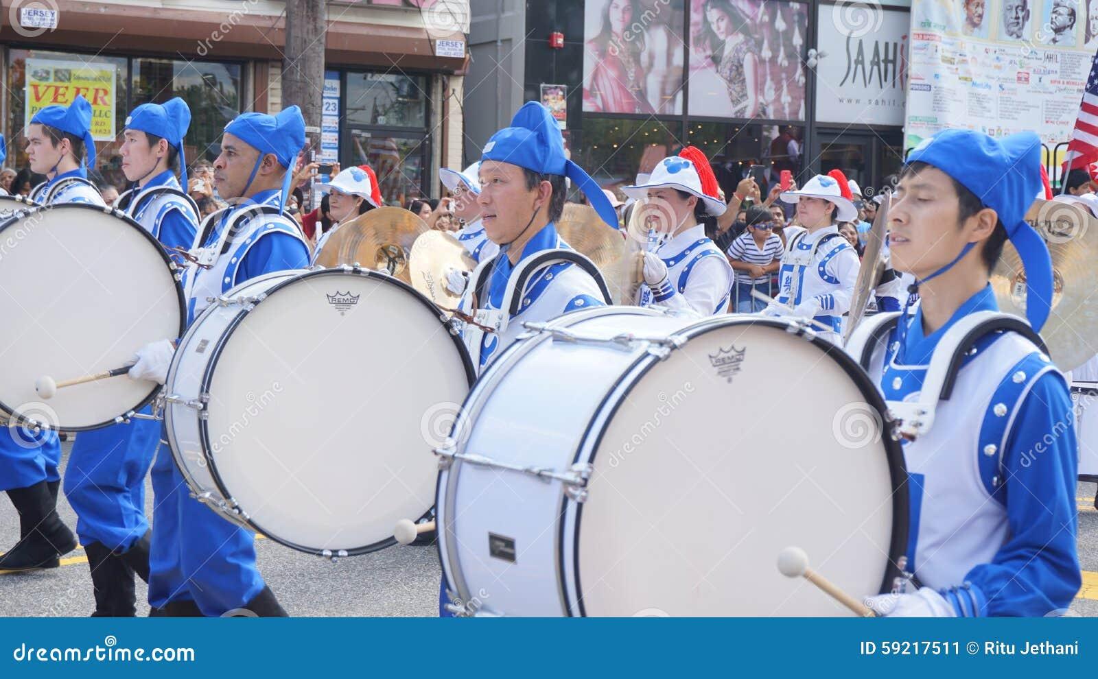 парад дня Индии 2015 ежегодников в Edison, Нью-Джерси