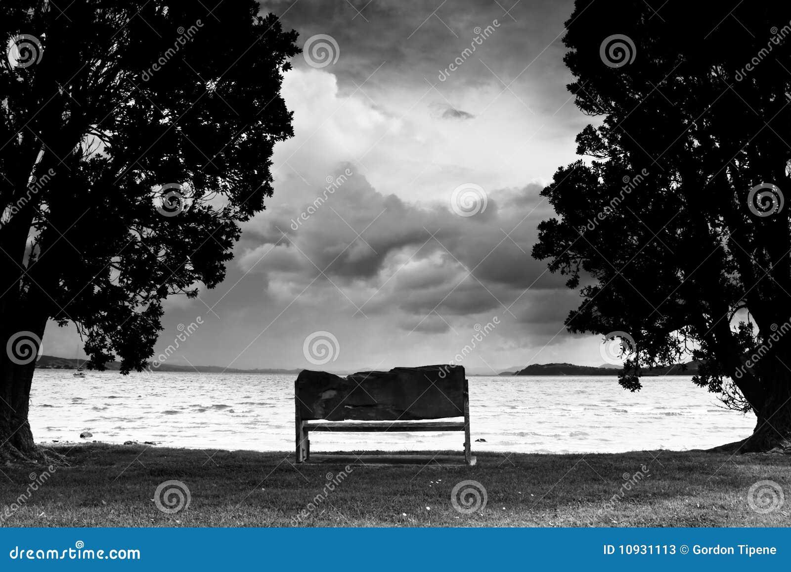 парк дня стенда пляжа бурный