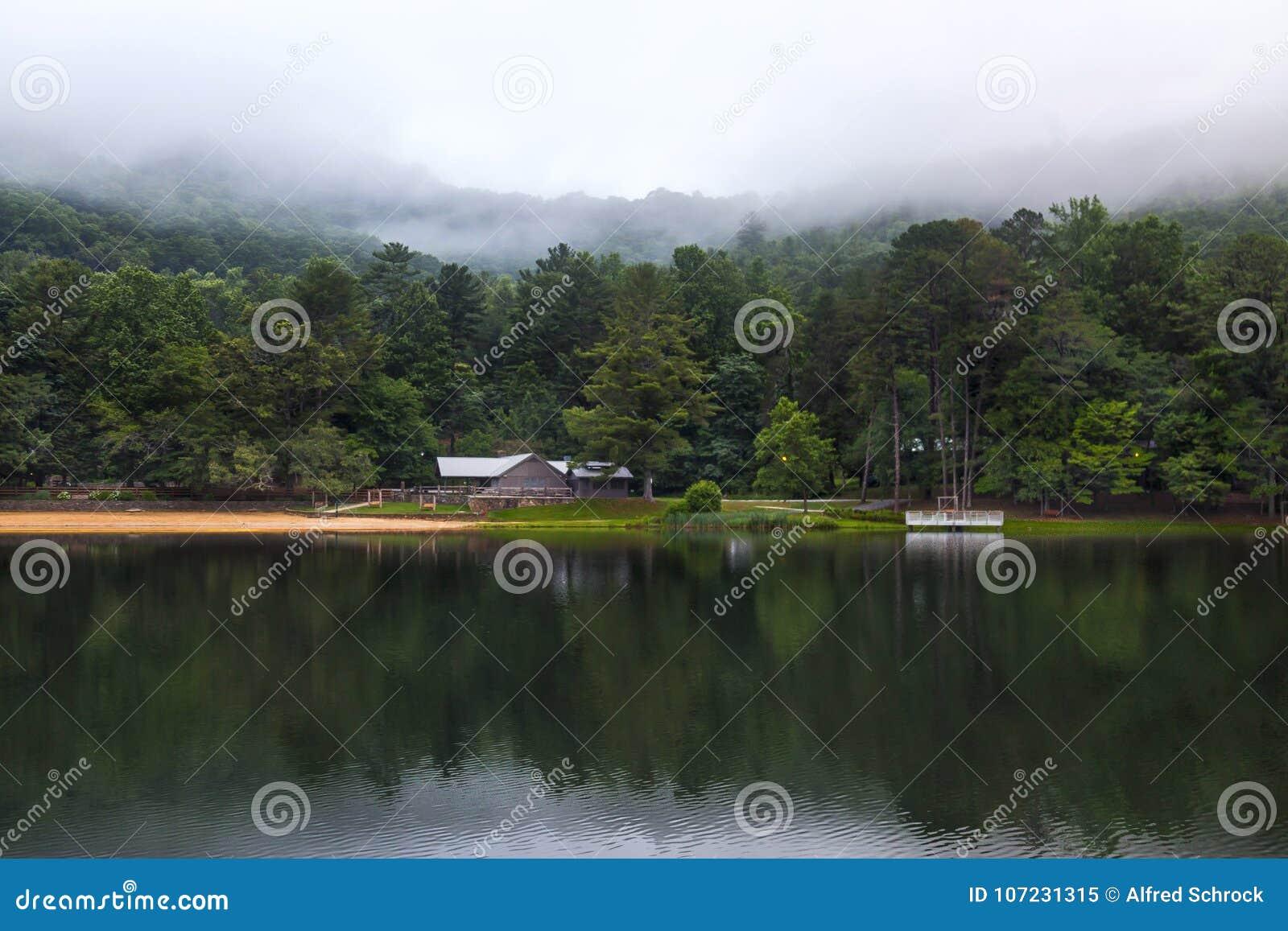 Парк штата Vogel на зоре