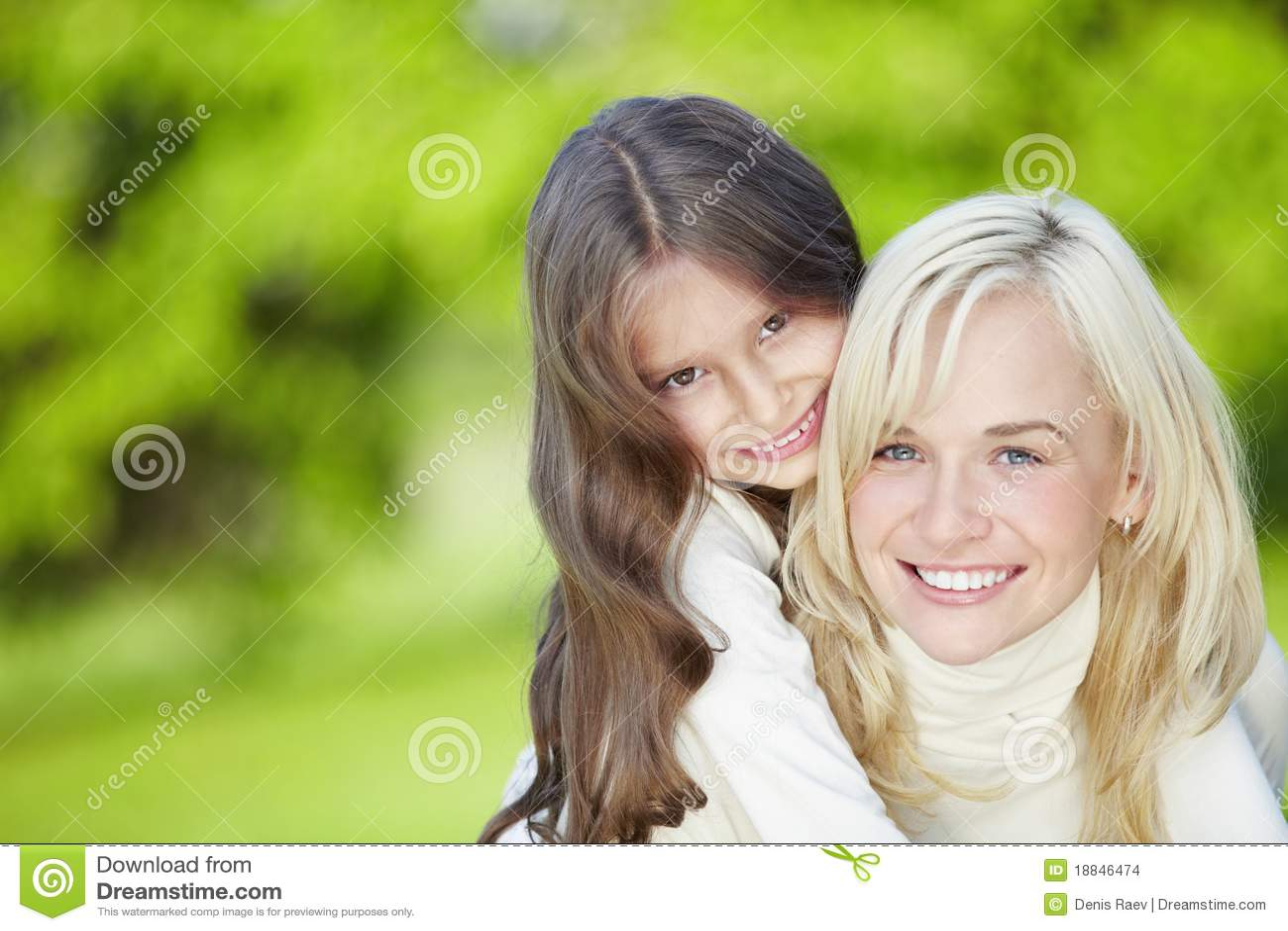 Фото мамку с дочкой 11 фотография