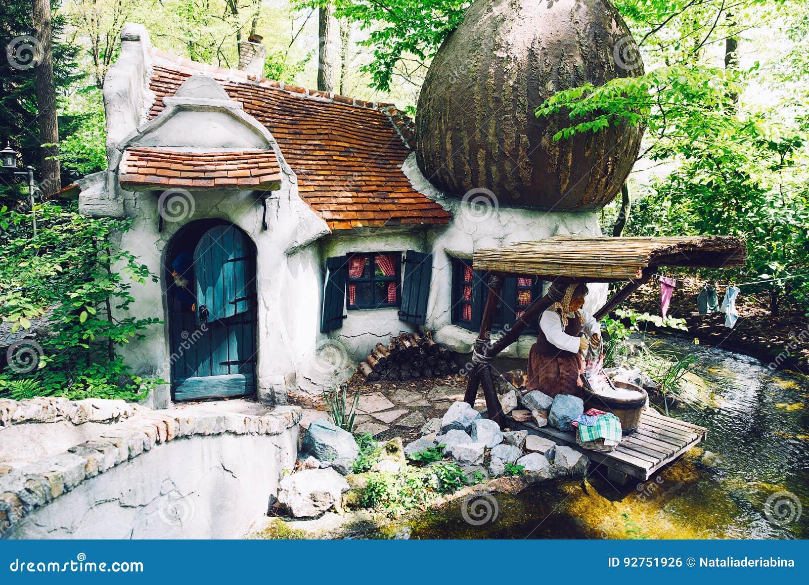 Парк Efteling фантазии тематический в Нидерландах