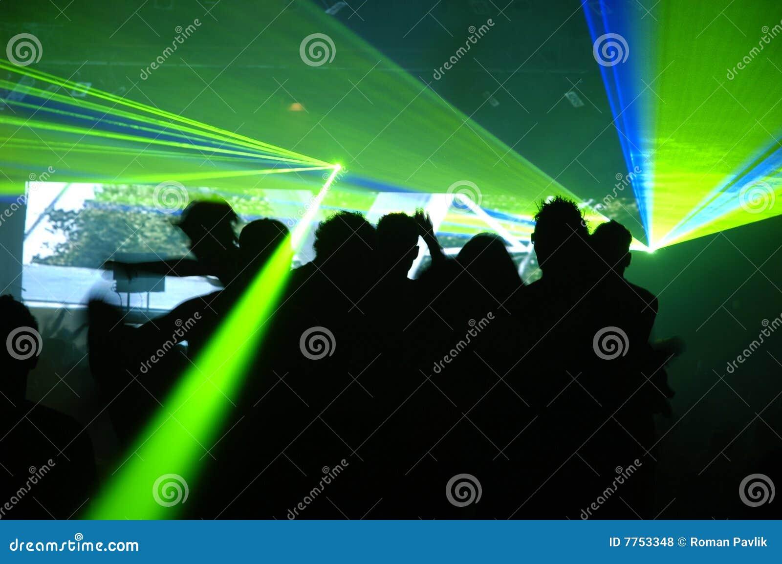 как фотографировать лазеры в клубе рассмотрении