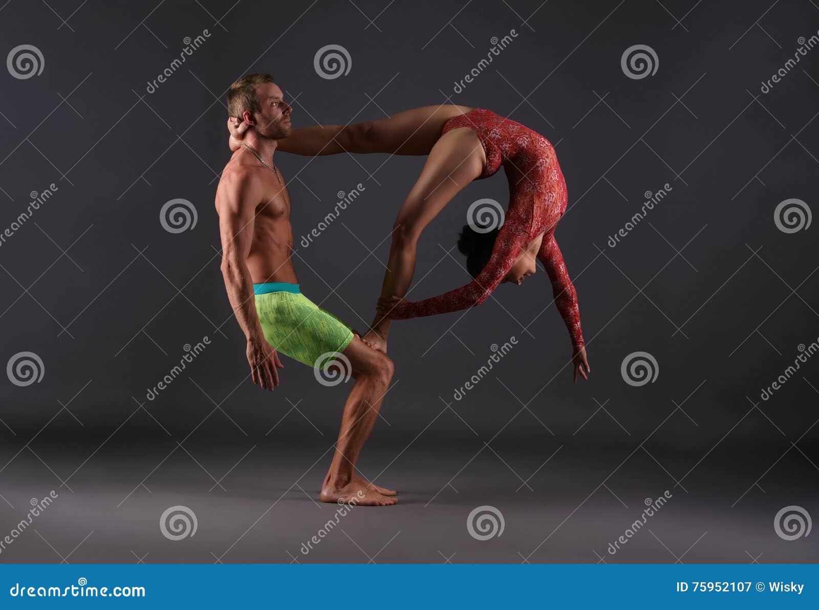 Сексуальные акробатические пары