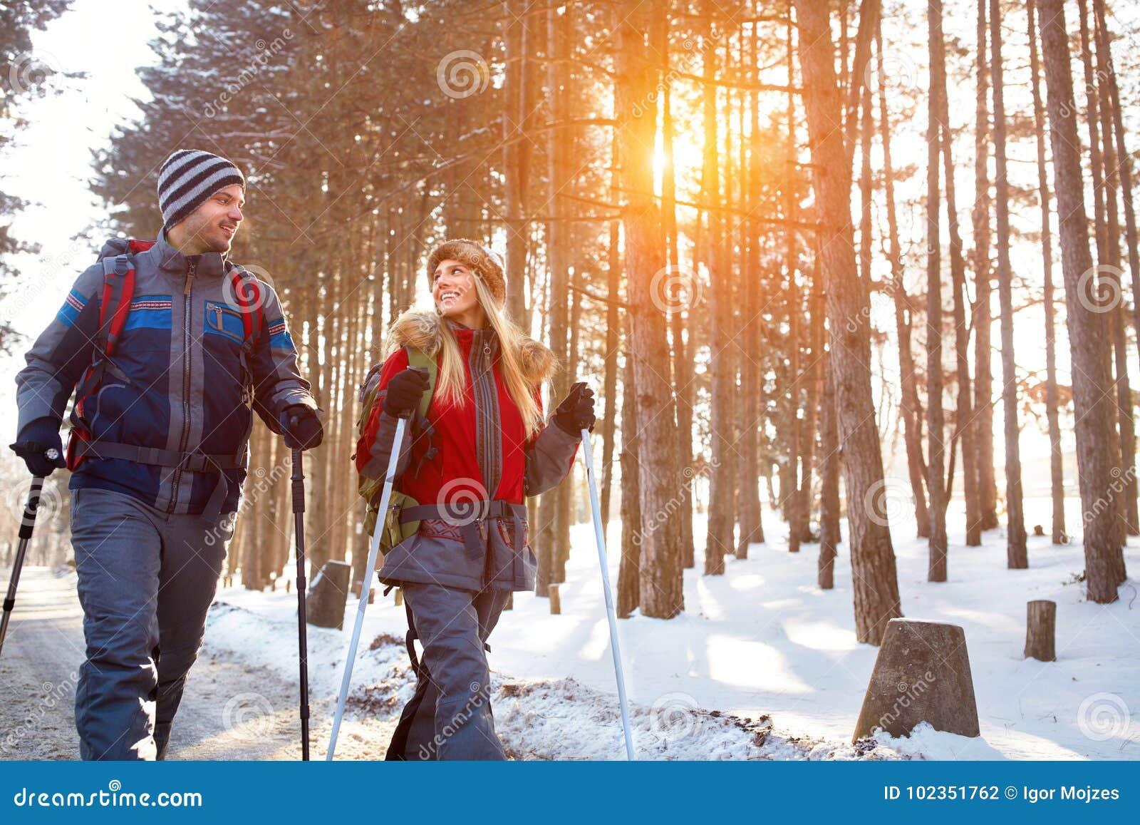 Пары влюбленности на зиме