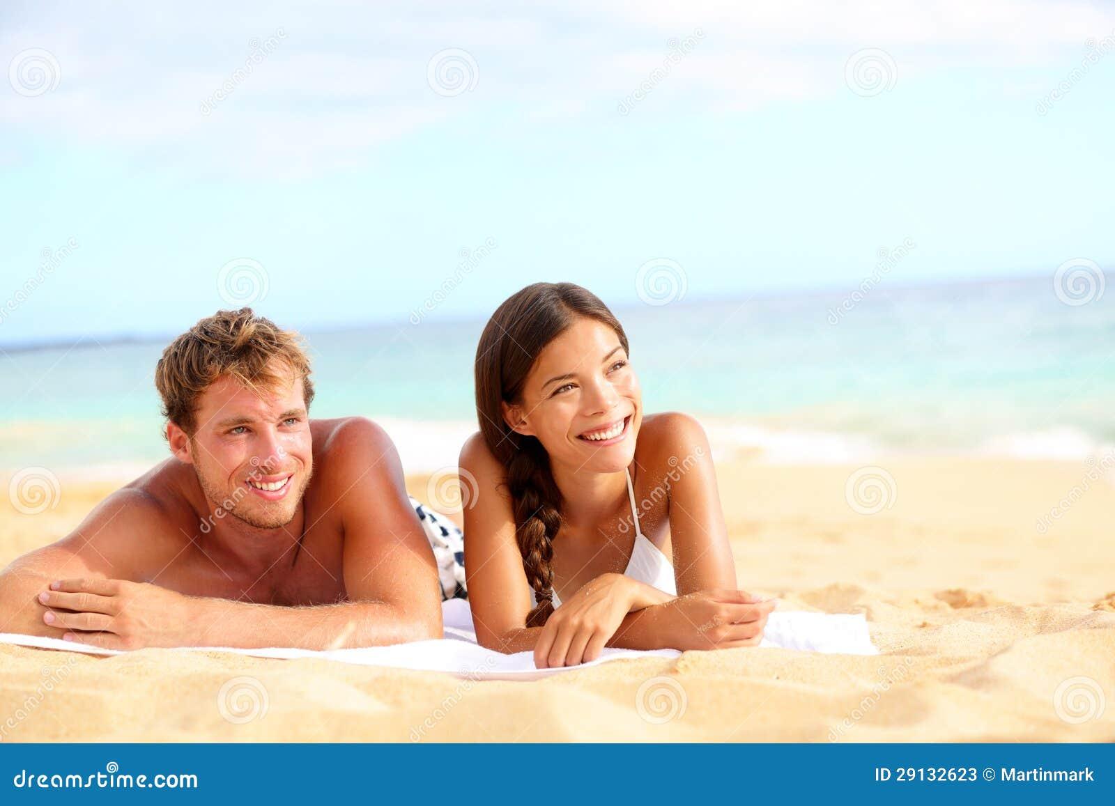Пары на пляже фото 360-179