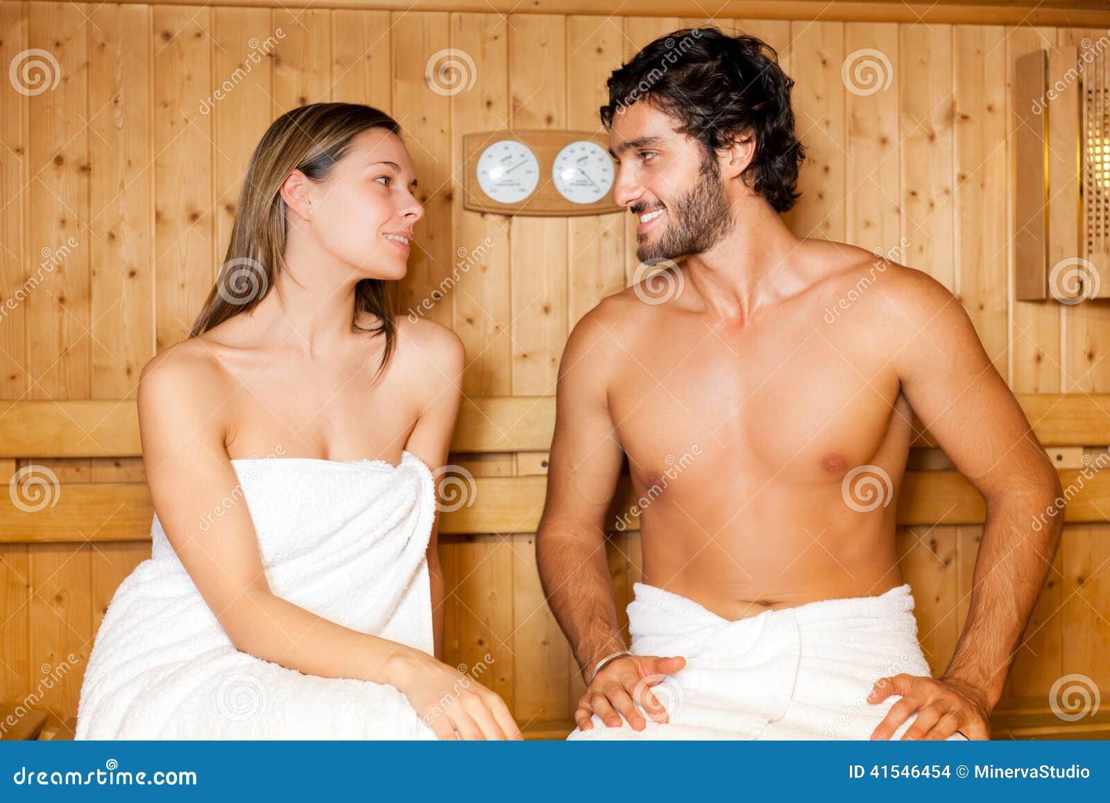 Смотреть фото голых девушек с мужиками, Голые бабы светят своими пездами и трахаются 27 фотография