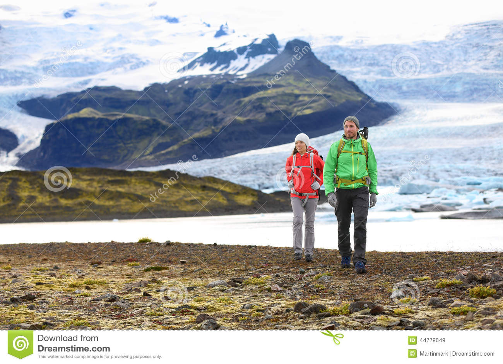 Пары перемещения приключения пешие trekking на Исландии