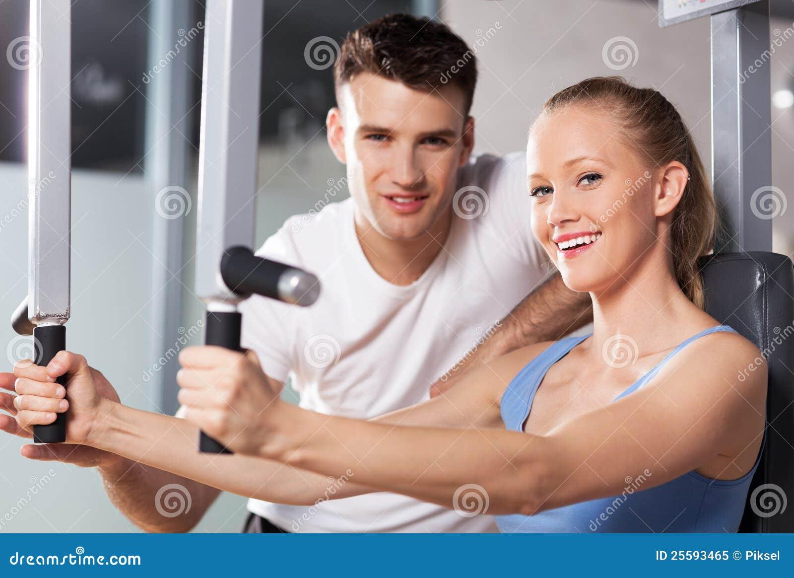 пары работая гимнастику