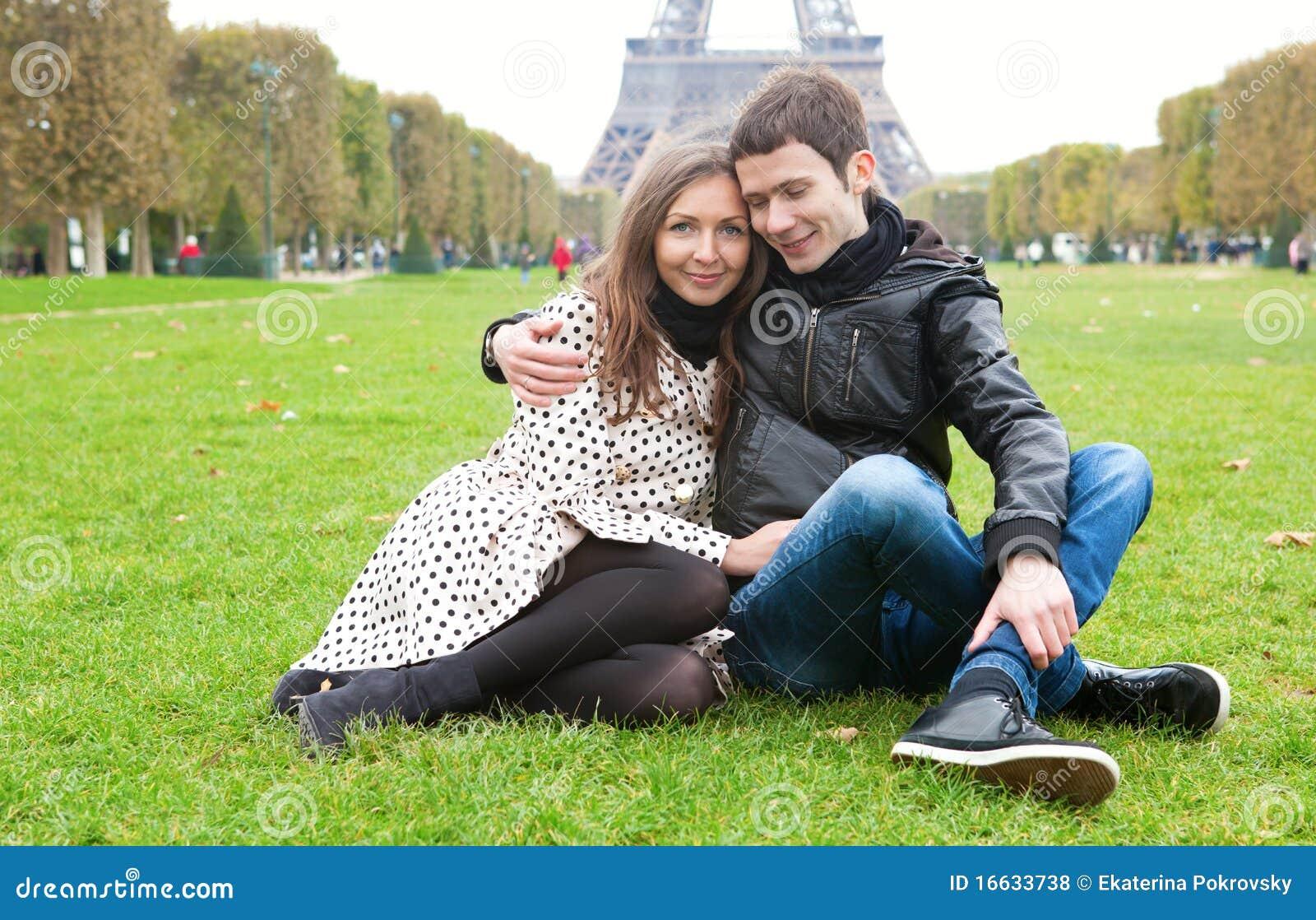 пары paris романтичный